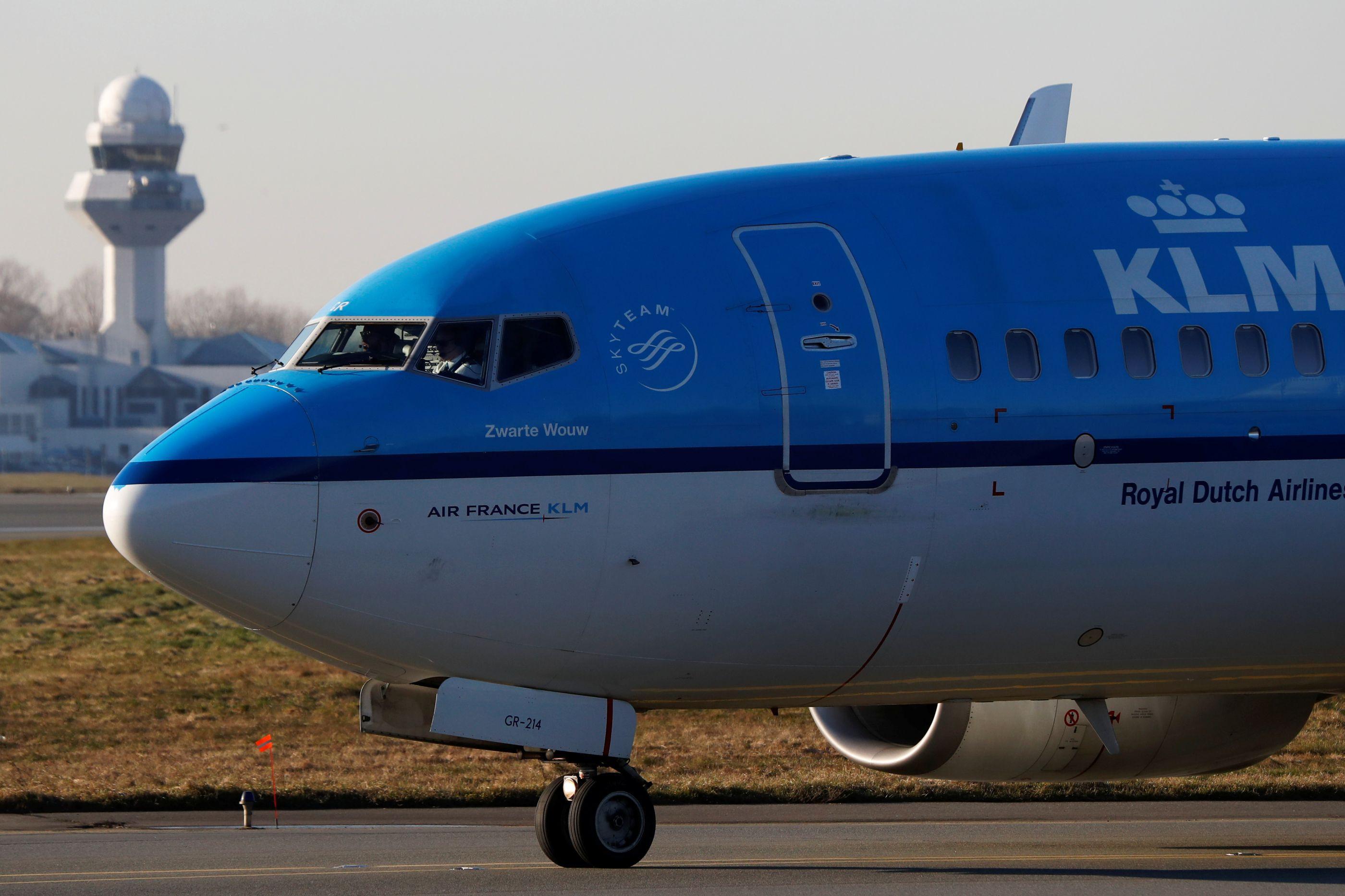 Perdido na tradução, casal espanhol acaba expulso de voo da KLM