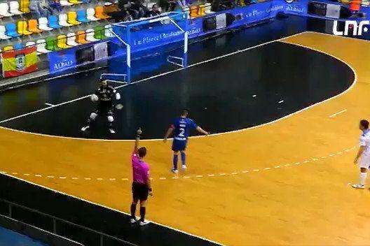 Bicicleta de Ronaldo? Da terceira divisão espanhola vem esta obra de arte