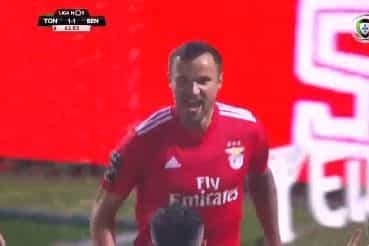 Seferovic completa cambalhota no marcador em Tondela