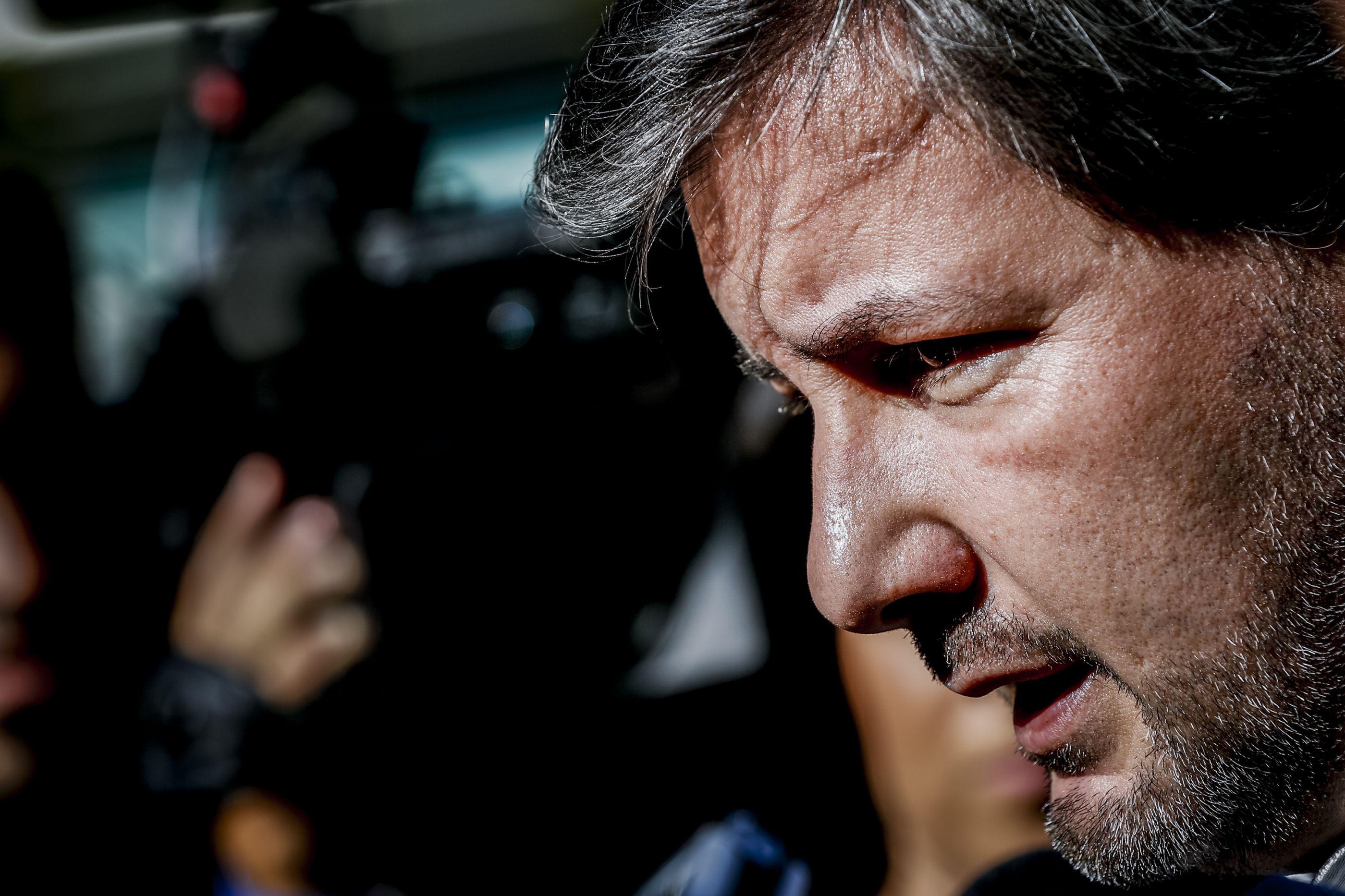 Bruno de Carvalho saiu em silêncio do tribunal, mas agradeceu a apoiantes