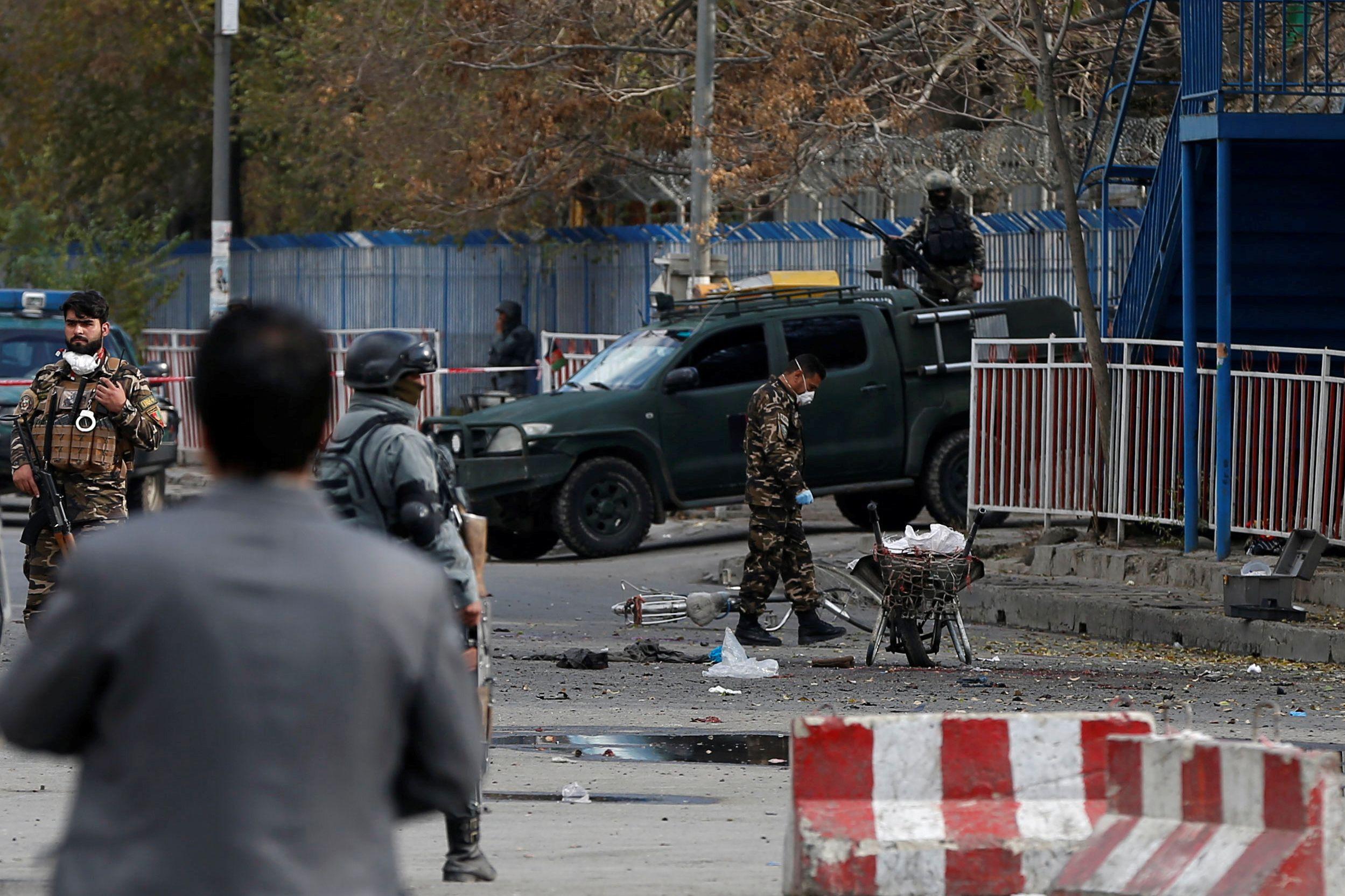 Talibãs fazem 32 mortos em cerco a quartel afegão de Badghis