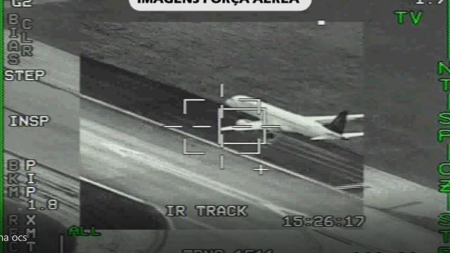 As imagens exclusivas que mostram o avião da Air Astana a aterrar em Beja