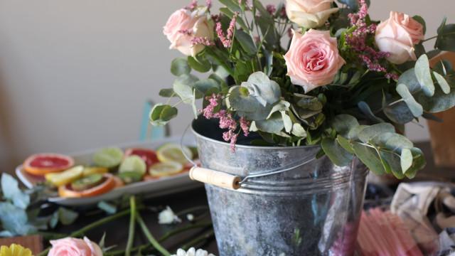 Quem encomendar flores esta semana vai ser surpreendido com algo mais