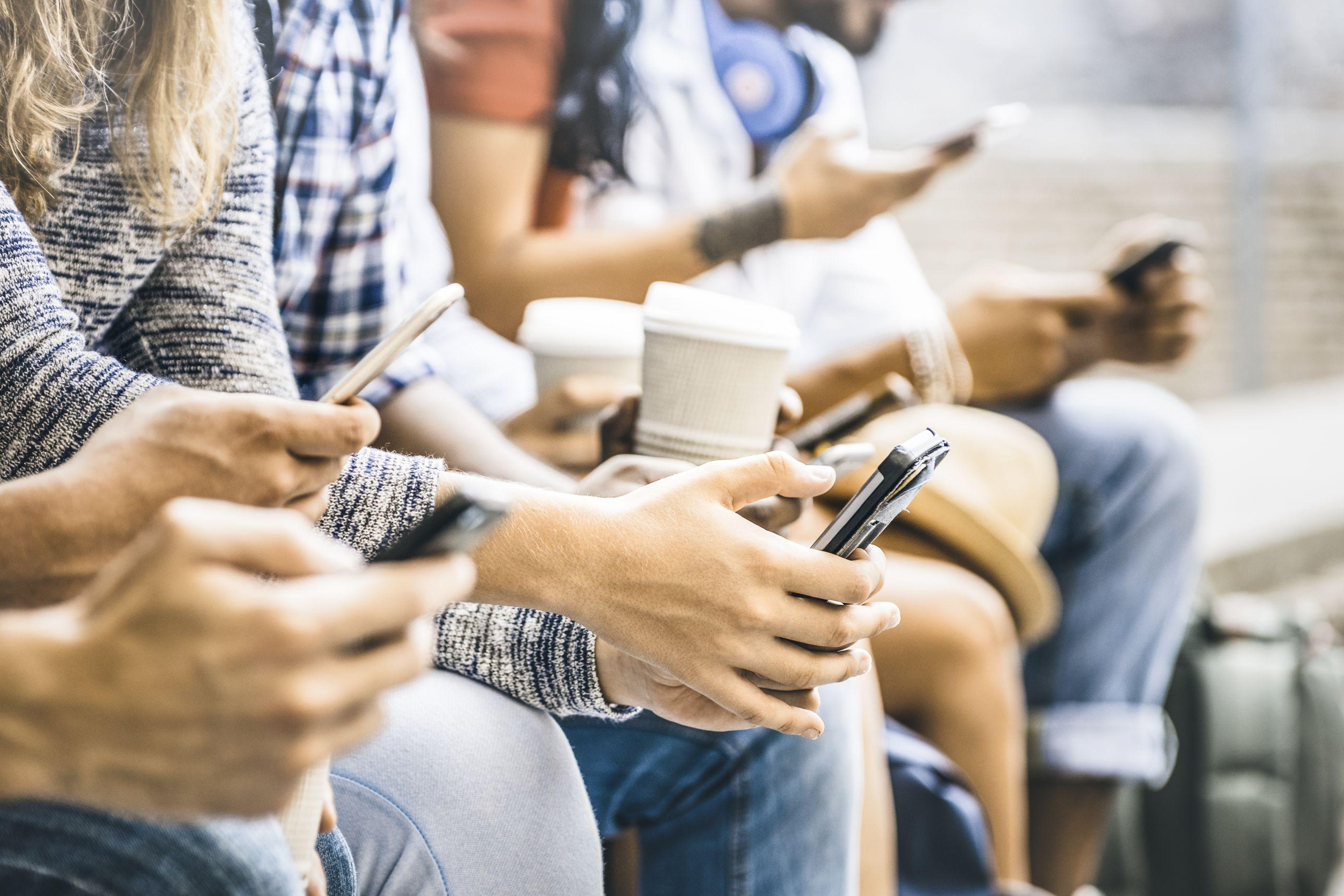De onde vem a obsessão pela tecnologia? Especialistas respondem