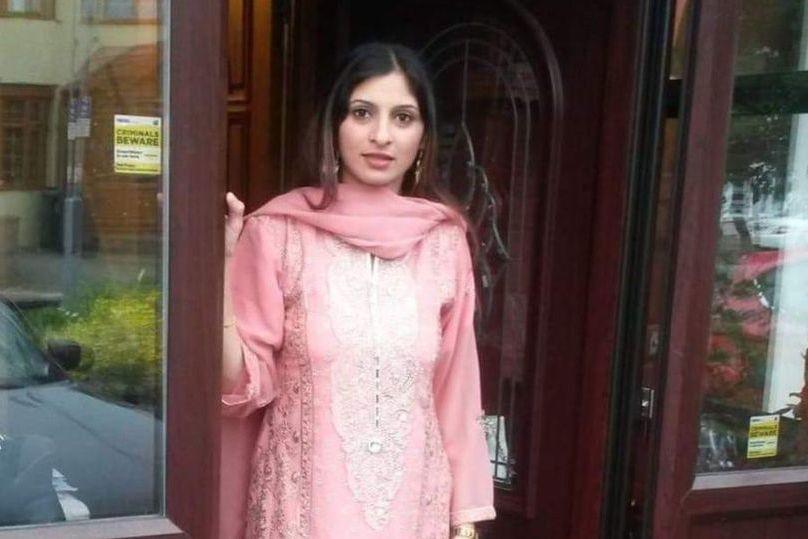 Grávida atingida por flecha em Londres morre, mas bebé sobrevive