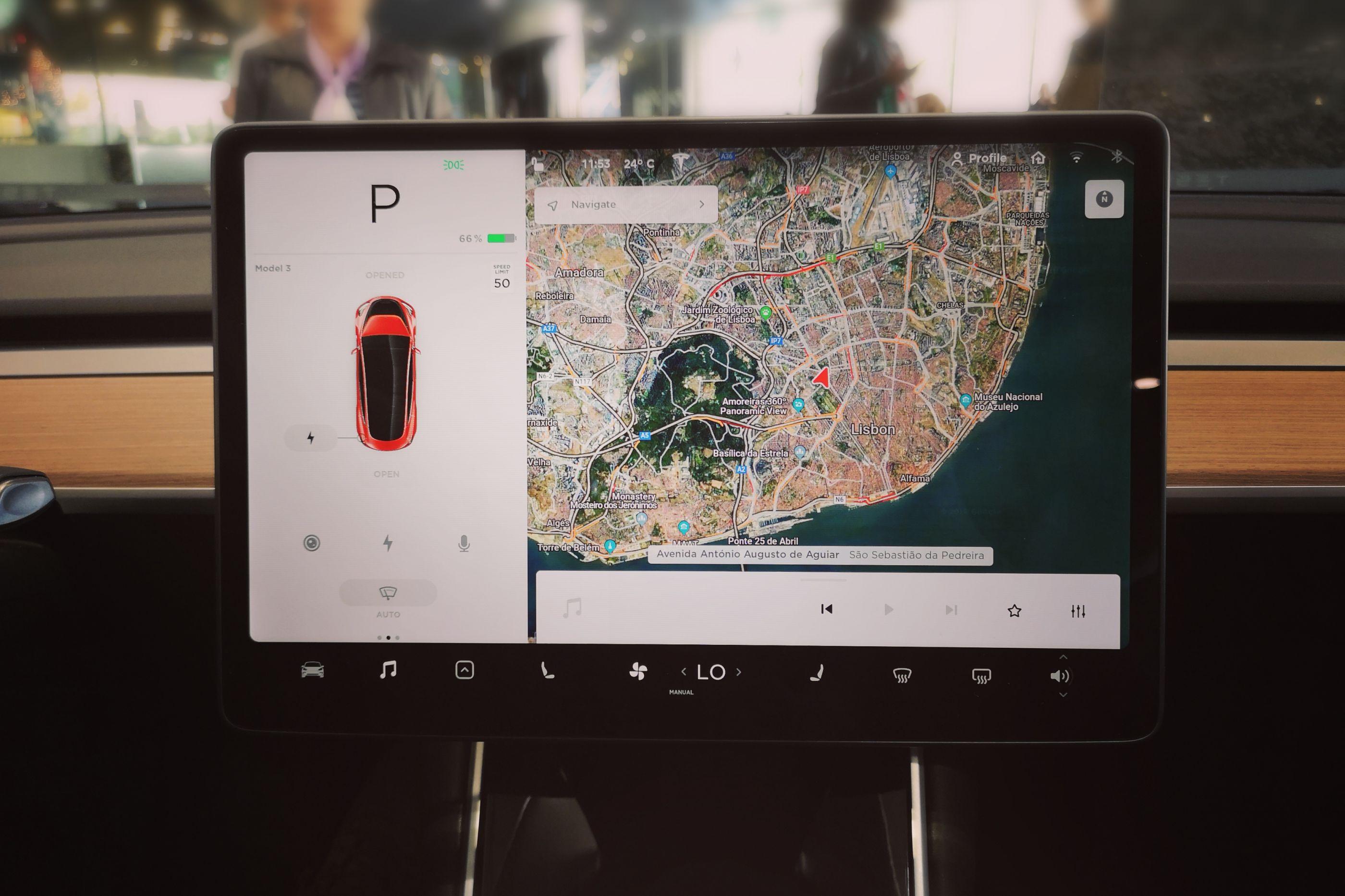 Tesla Model 3 já chegou a Portugal e vai poder vê-lo durante duas semanas