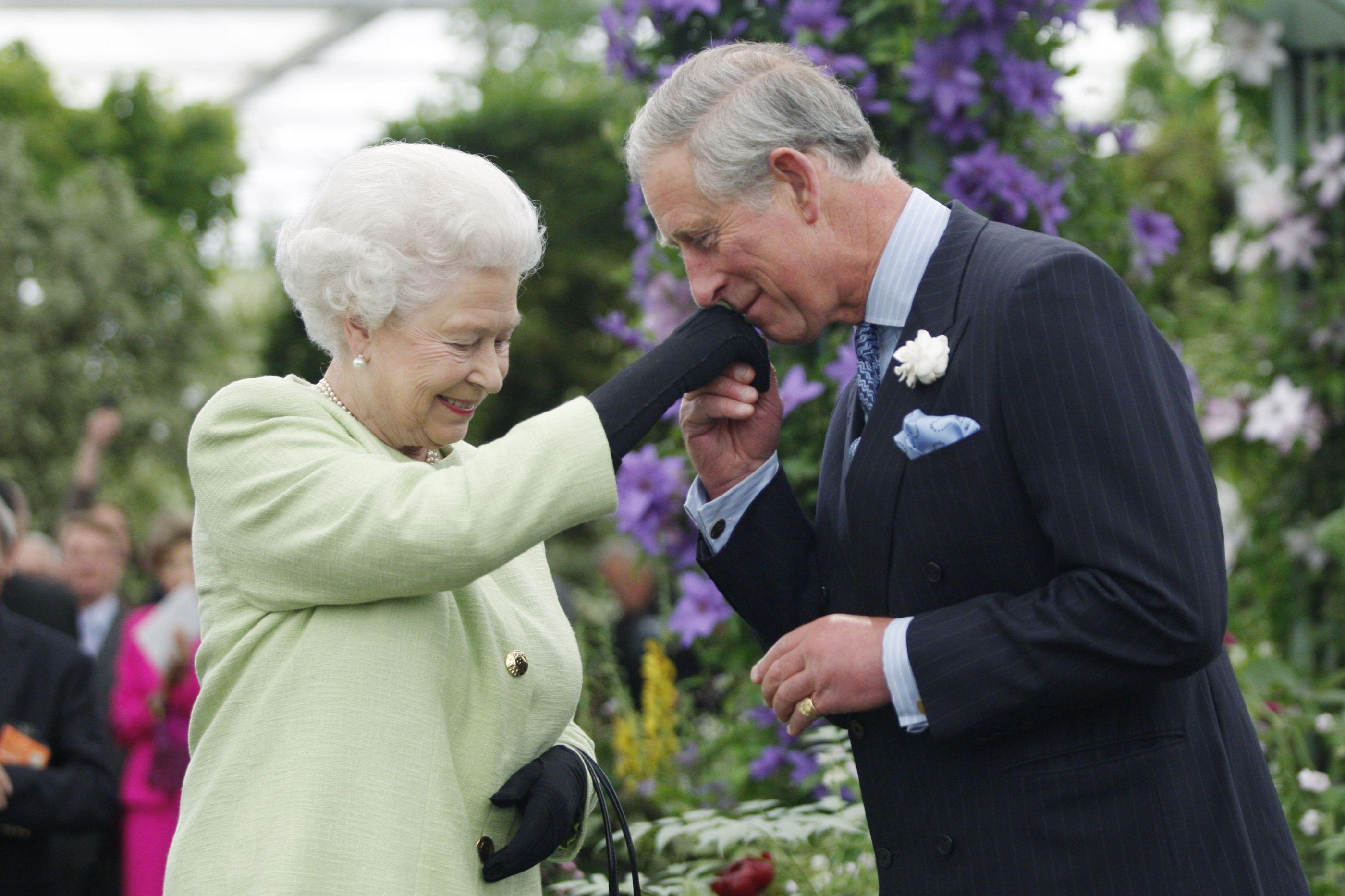 O discurso sentido de Isabel II no aniversário do príncipe Carlos
