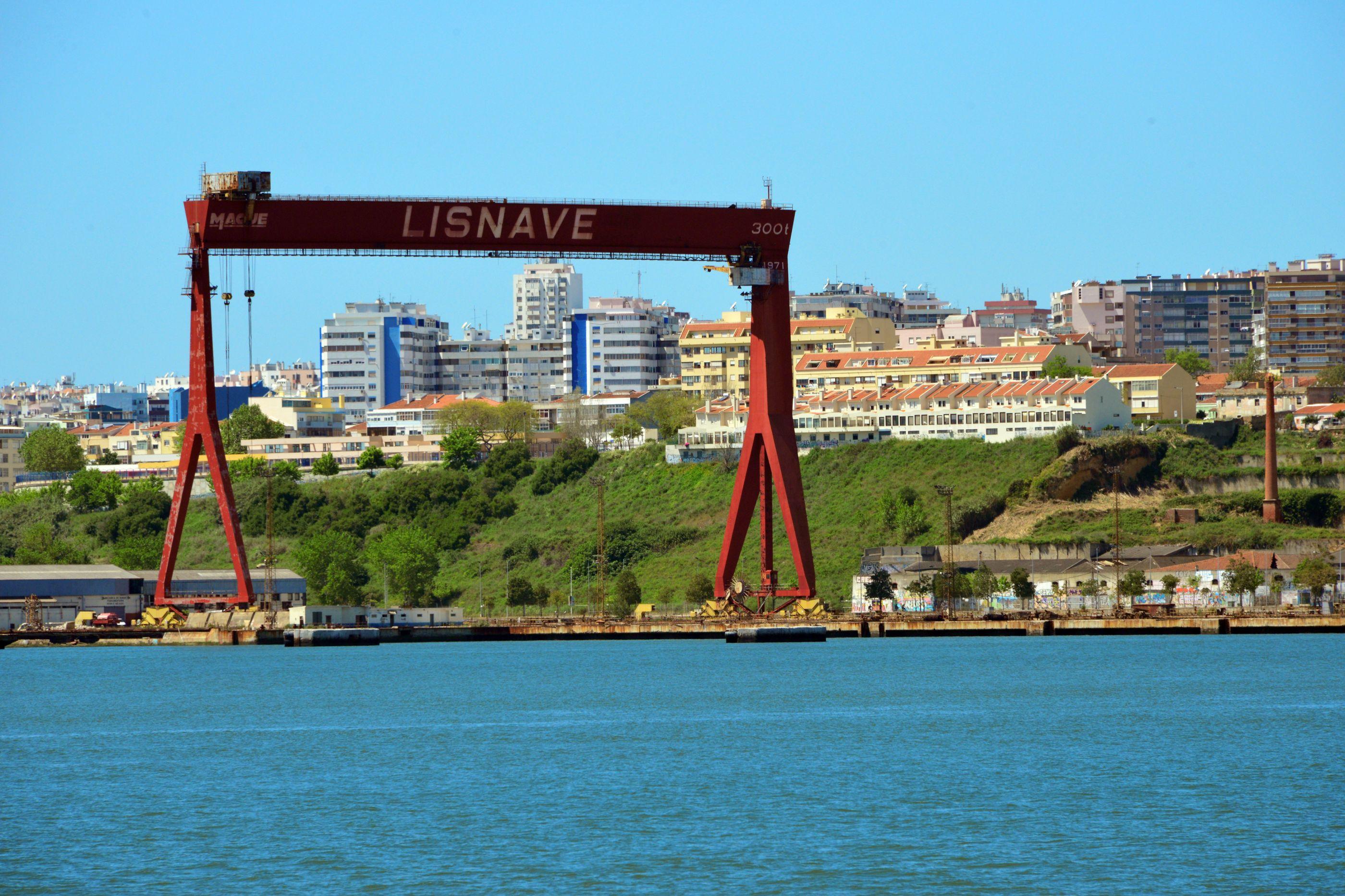 """Rejeição da suspensão das obras no porto de Setúbal é """"desagradável"""""""