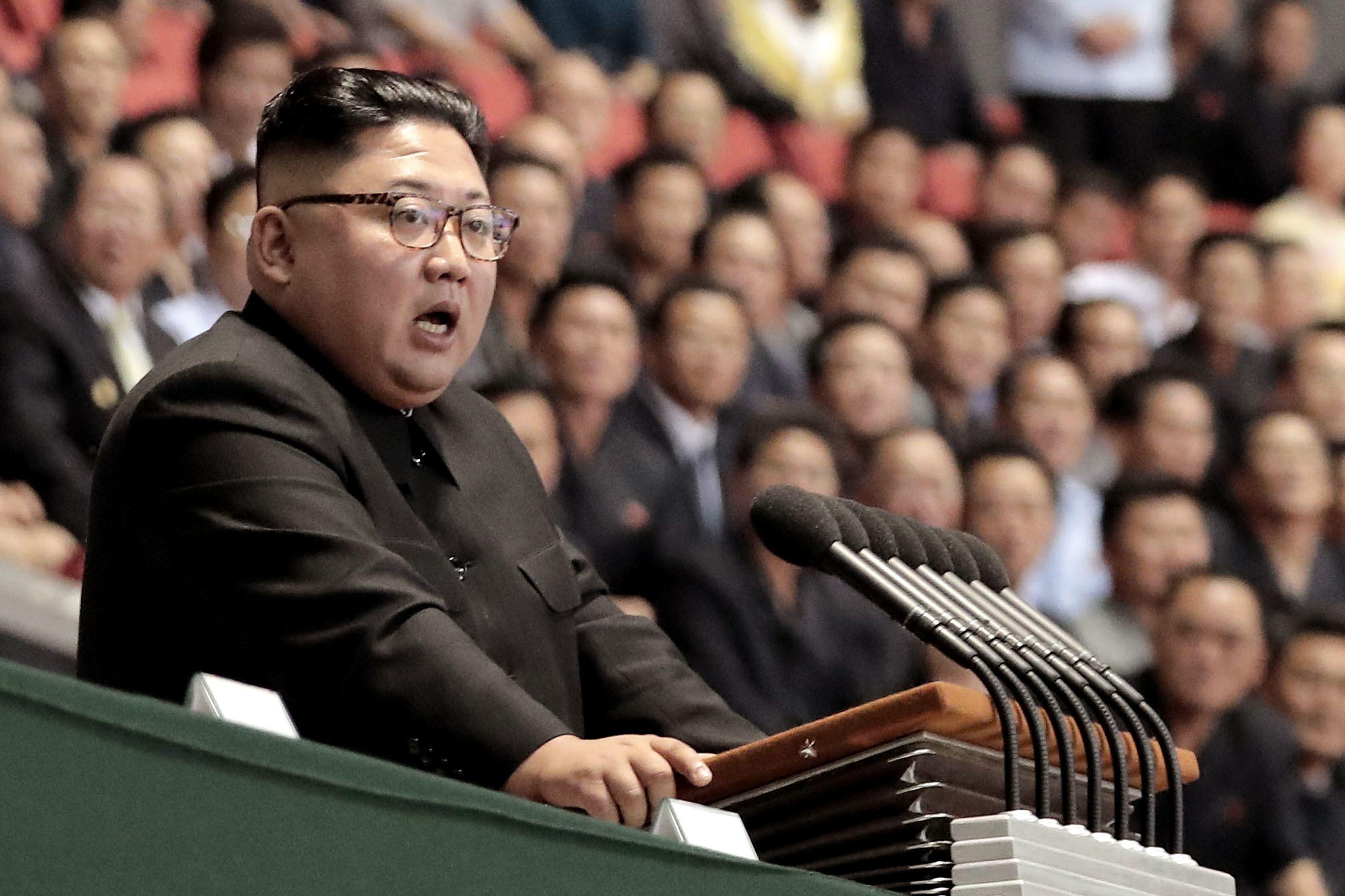 Coreia do Norte testa nova arma ultramoderna. Kim Jong-un supervisiona