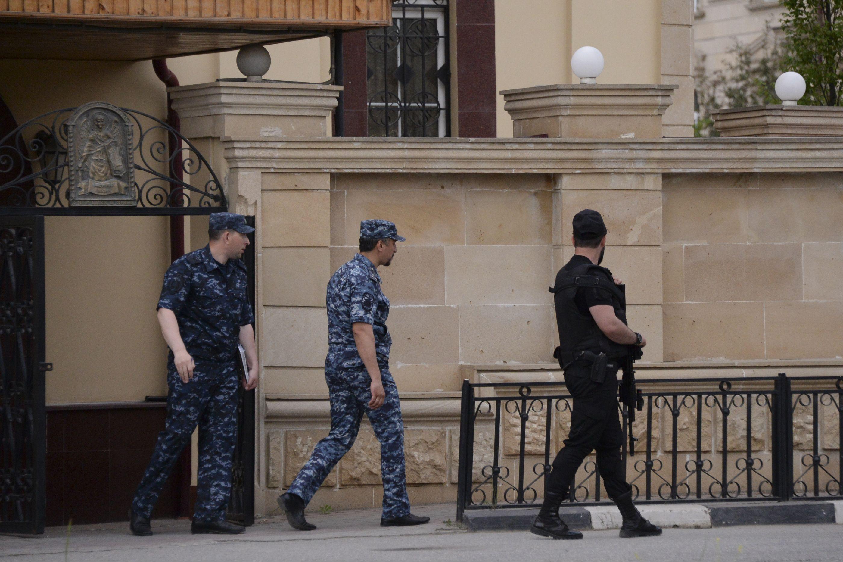Mulher faz-se explodir junto a um posto policial na capital da Chechénia