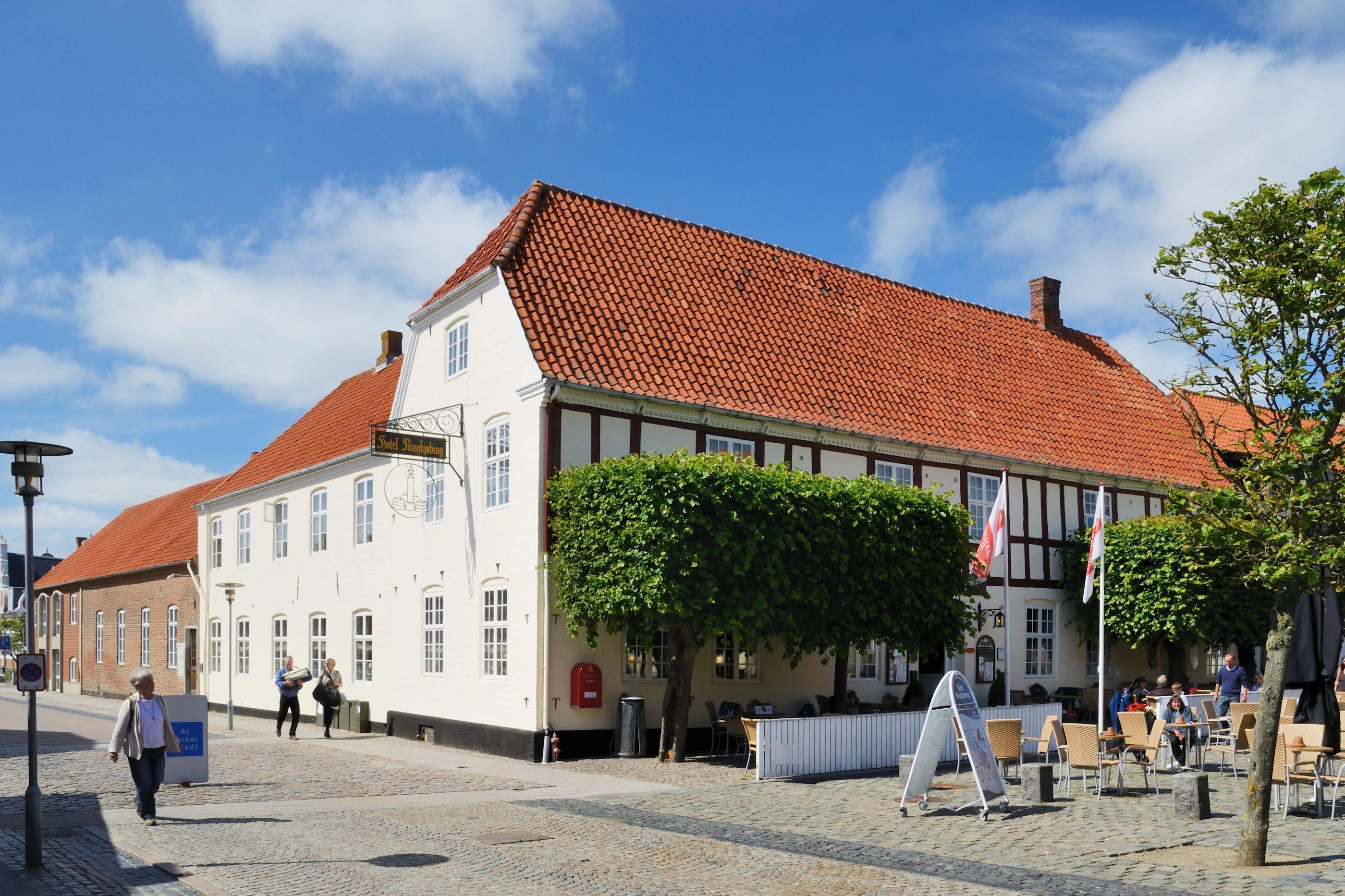 Hotel dinamarquês encerra após 60 hóspedes ficarem doentes