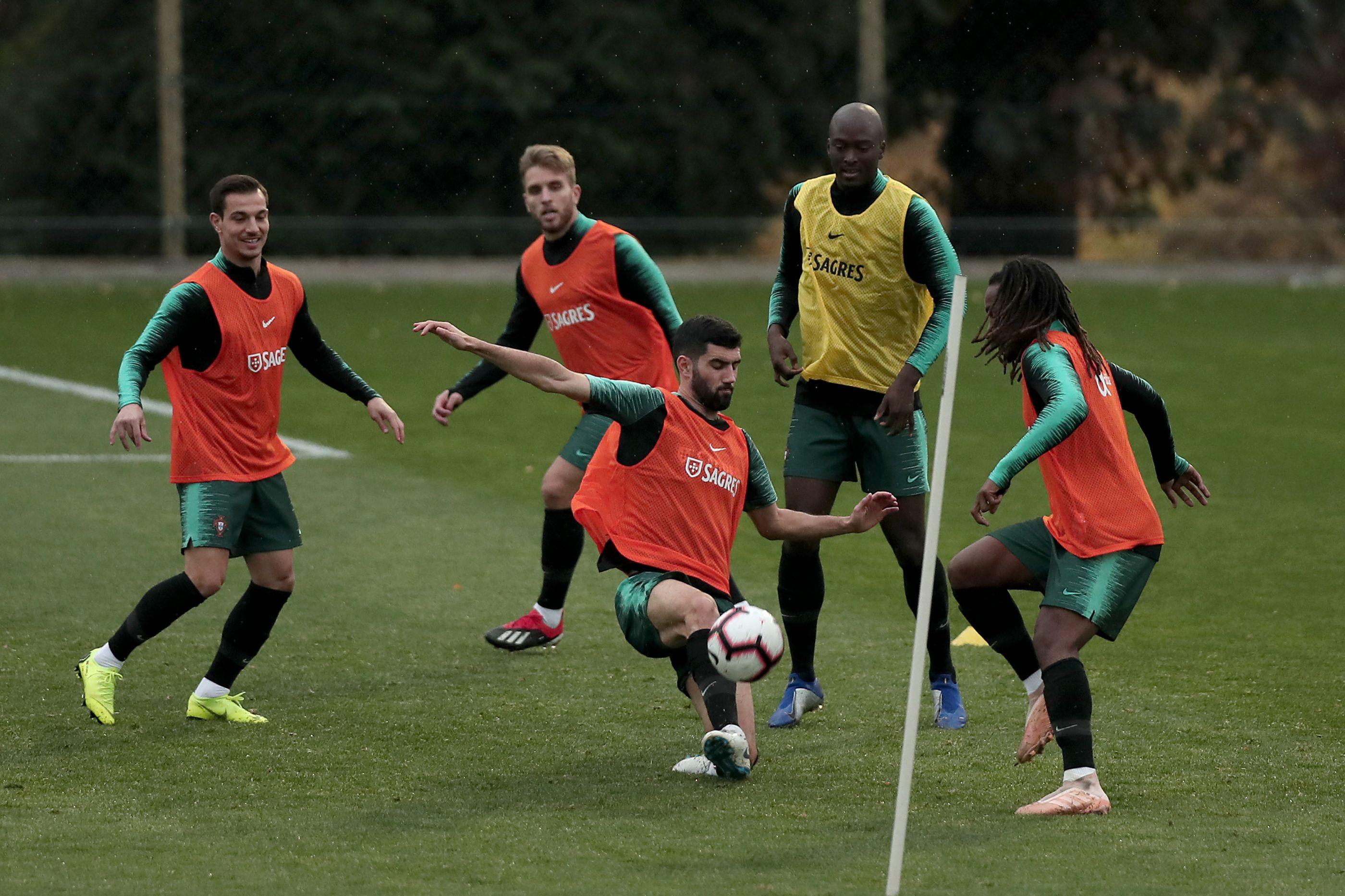 Seleção cumpre último treino antes da receção à Polónia