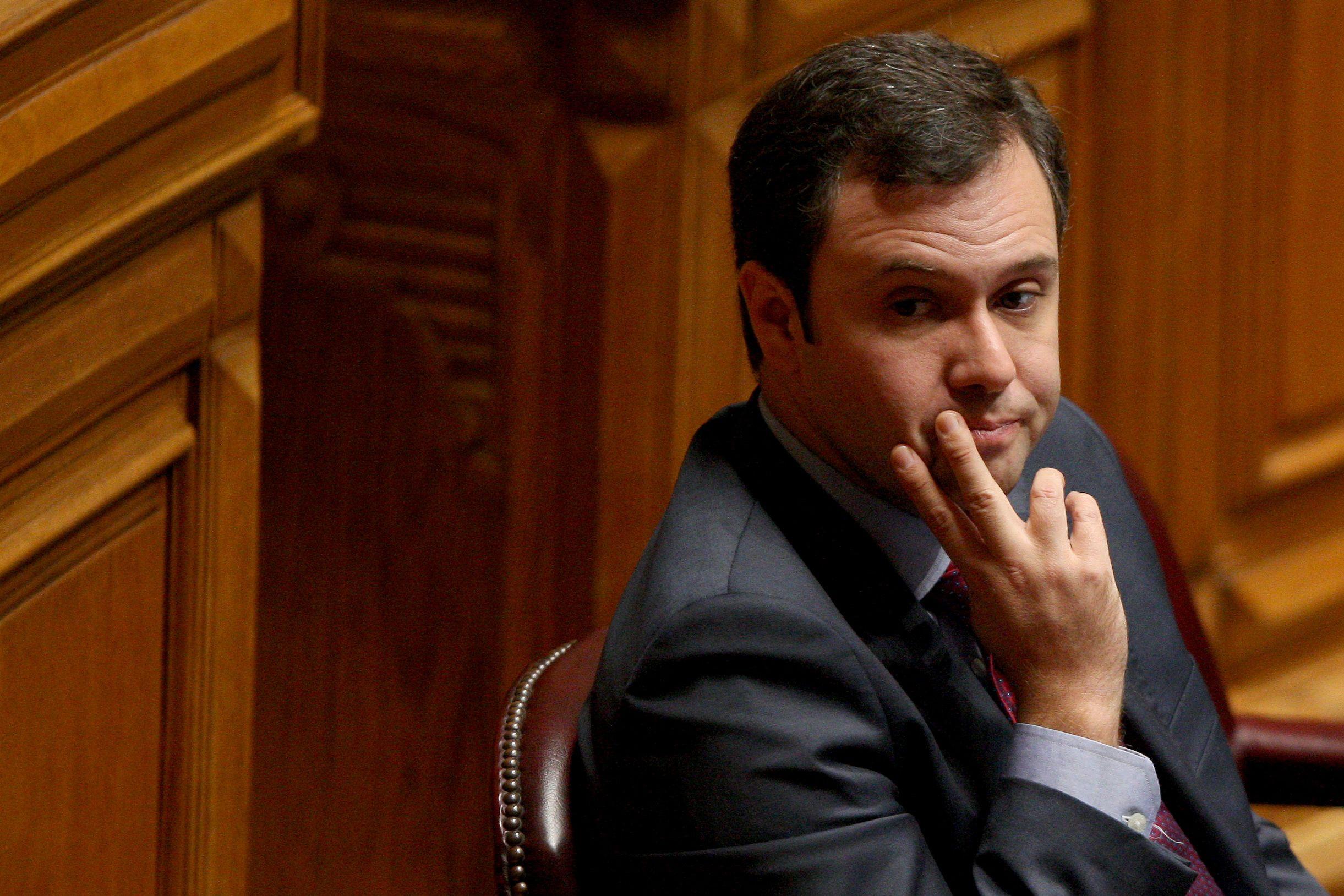 """É """"inaceitável"""" a recusa do ministro em comparecer na comissão sobre TAP"""