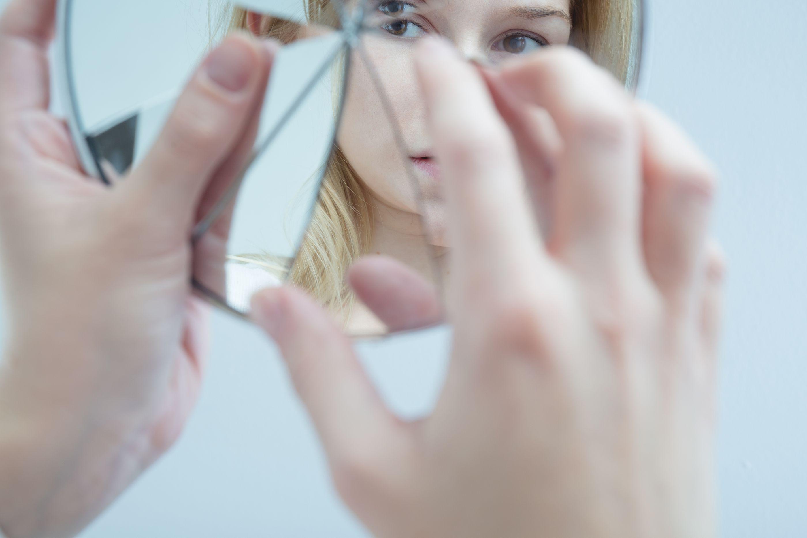 Dismorfia corporal: A doença 'física' que os outros não veem