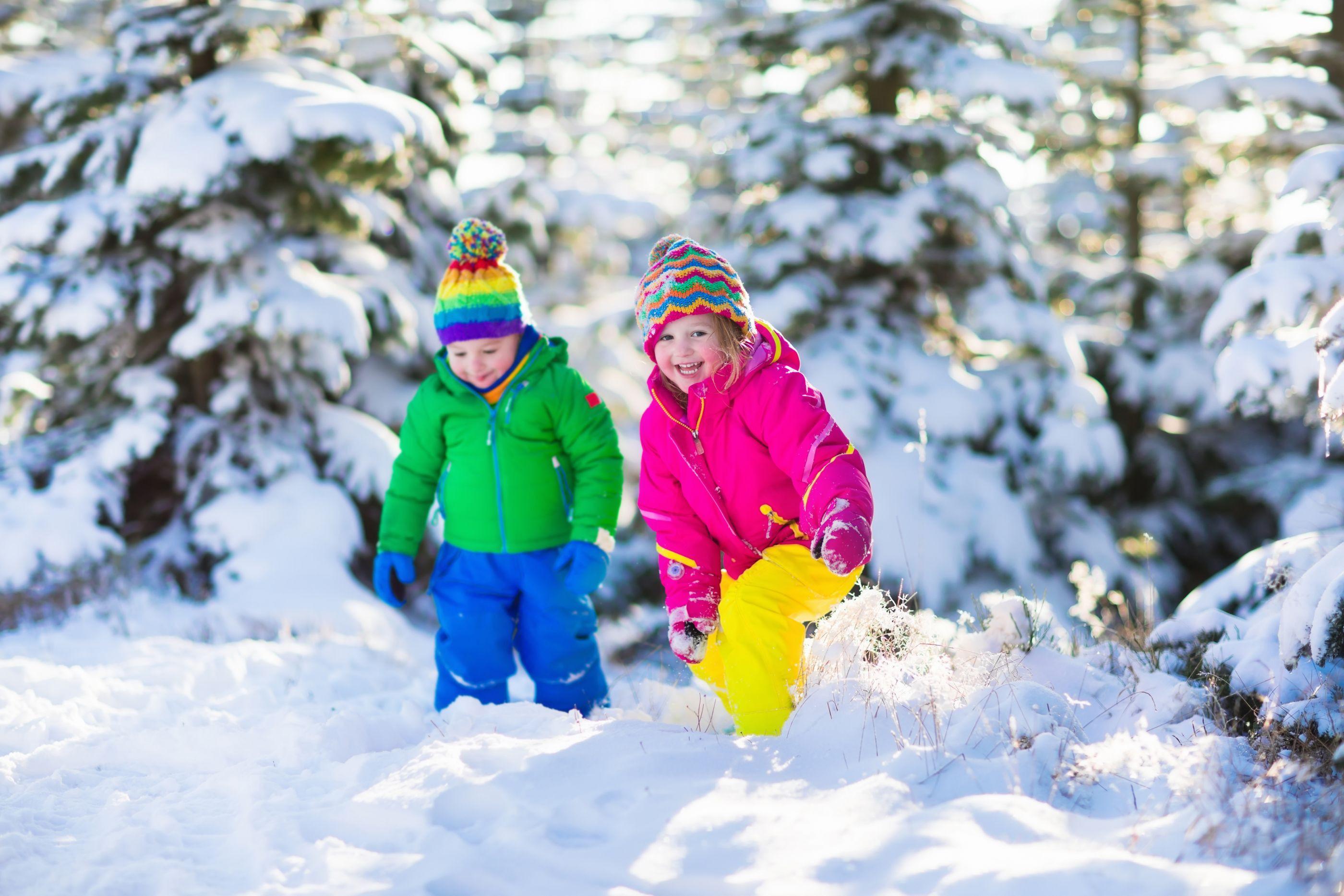Saiba como é que os casacos puffer podem pôr em risco a saúde dos miúdos