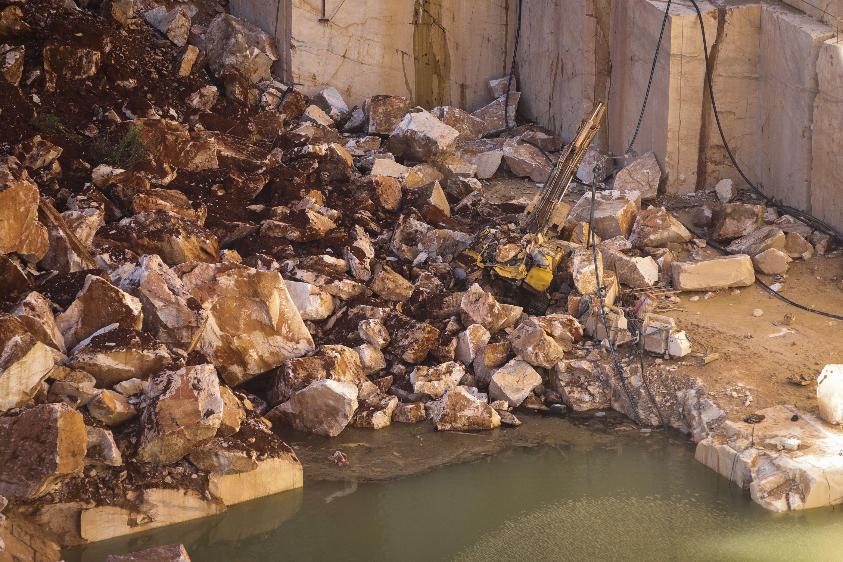 Segundo corpo localizado na pedreira em Borba