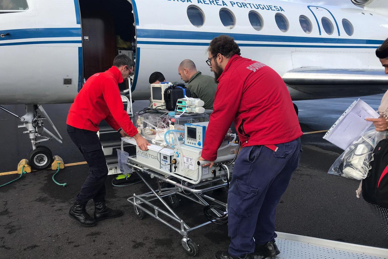Força Aérea transporta bebé com asfixia perinatal dos Açores para Lisboa