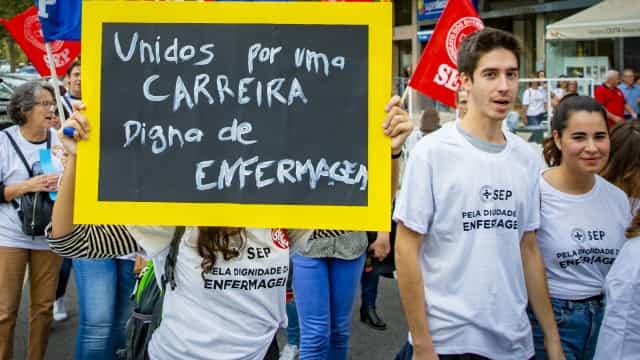 """Enfermeiros: PCP fala em """"processos controversos e perigosos"""""""
