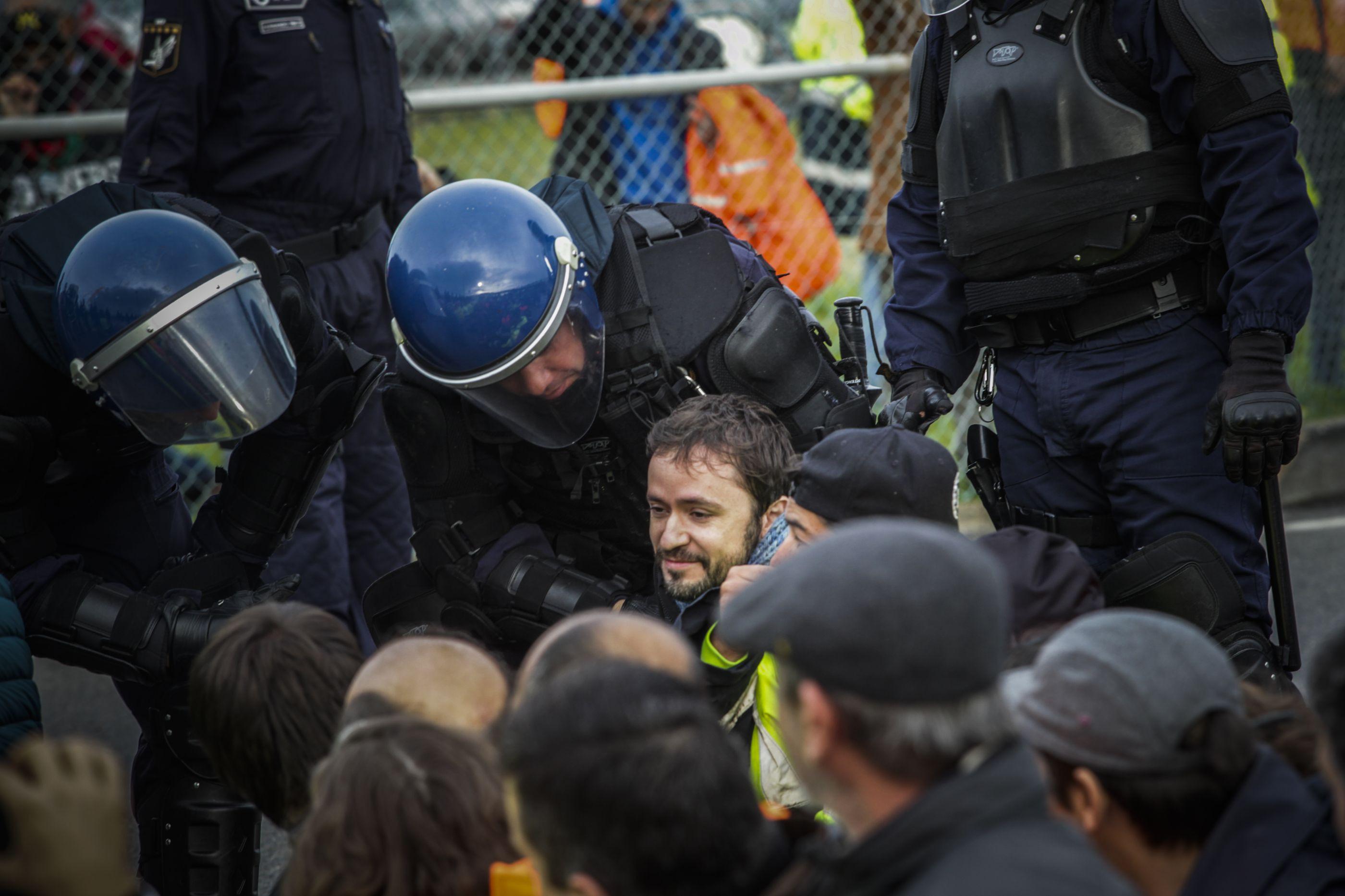 BE e PCP solidários com estivadores e criticam Governo e empregadores