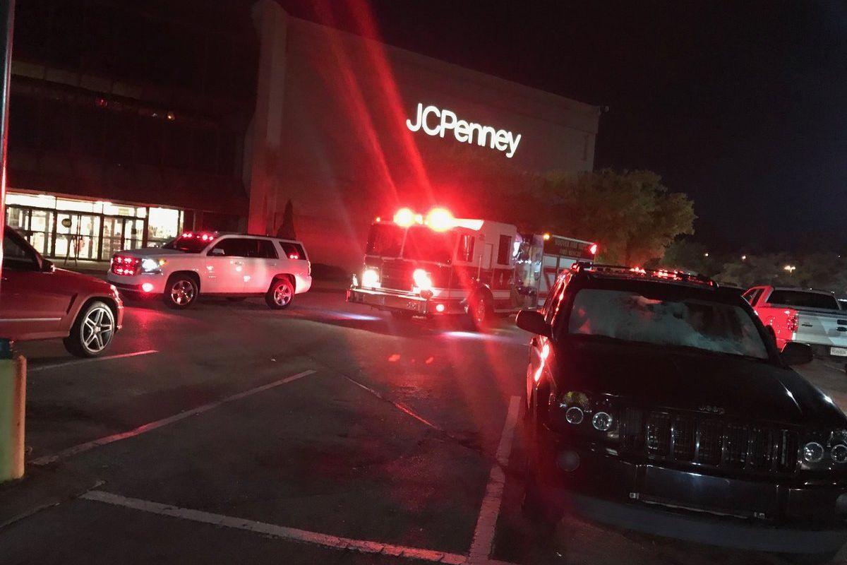 Black Friday acaba em tiroteio num centro comercial do Alabama