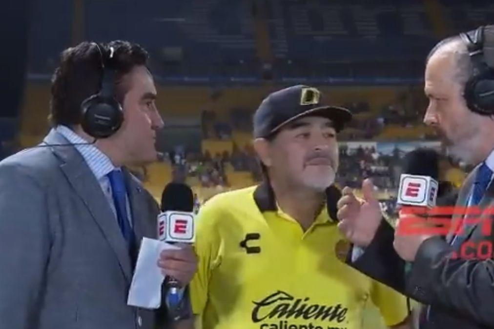 O que é isto Maradona? A resposta de El Pibe é viral pelos piores motivos