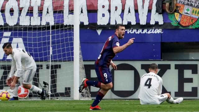 Eibar humilha Real Madrid na primeira derrota da 'era Solari'