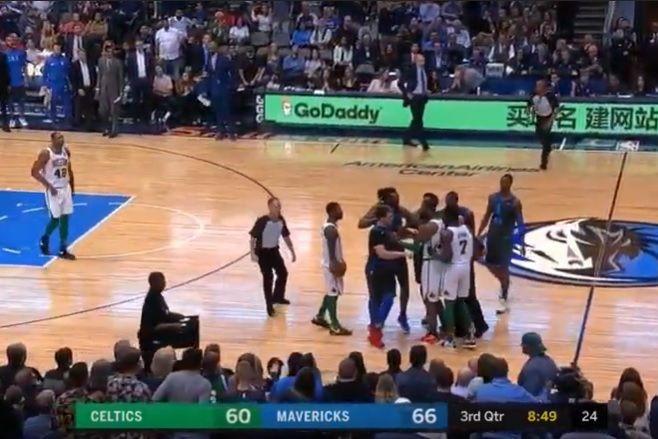 Doncic engana três adversários e provoca o caos no Mavericks-Celtics