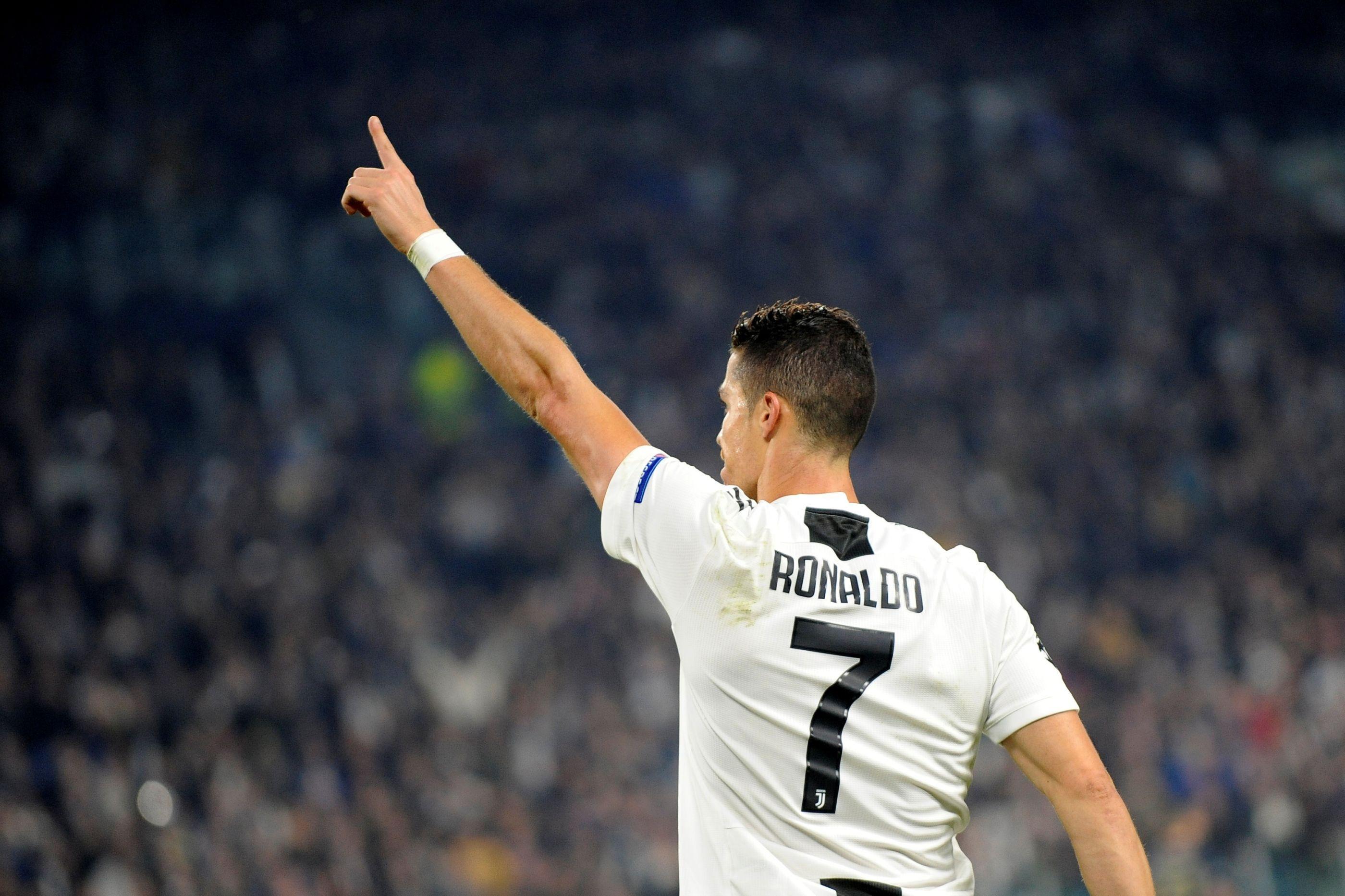 Bola de Ouro: Sky Italia revela o vencedor... e CR7 falta à cerimónia
