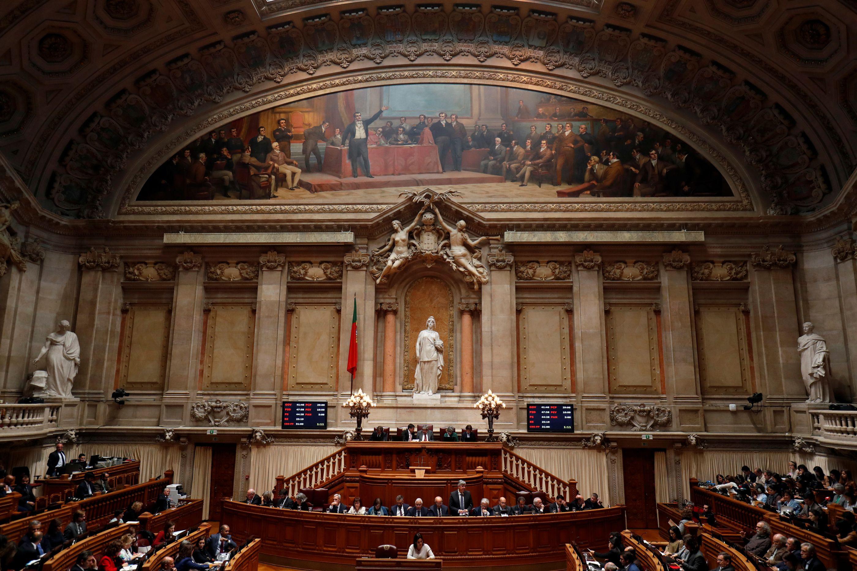 """Governo leva """"balanço e perspetivas"""" das políticas económicas a debate"""