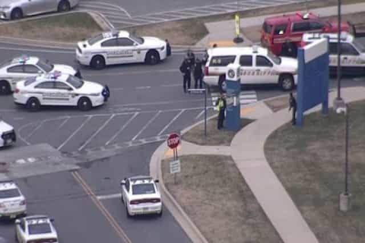Polícia alertada para atirador ativo junto a hospital em Washington