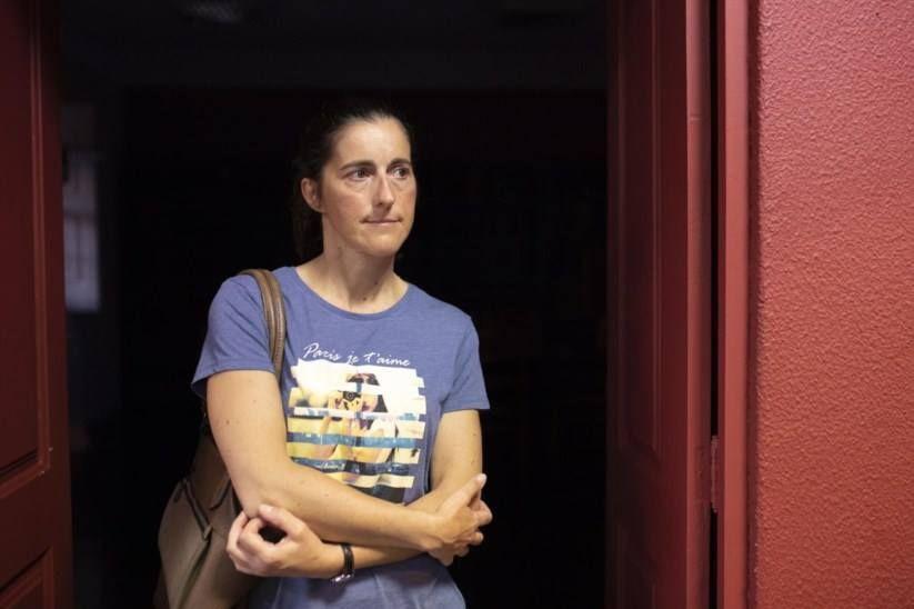 """Parlamento solidário com operária Cristina condena """"repressão e assédio"""""""