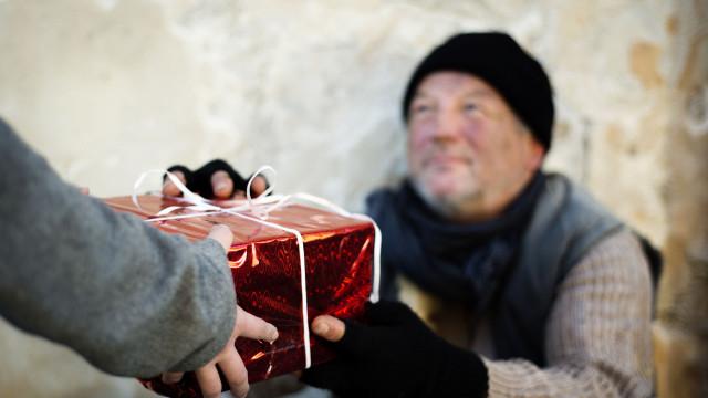 Natal dos Esquecidos: Ajudar é (tão) fácil. Está à distância de um clique