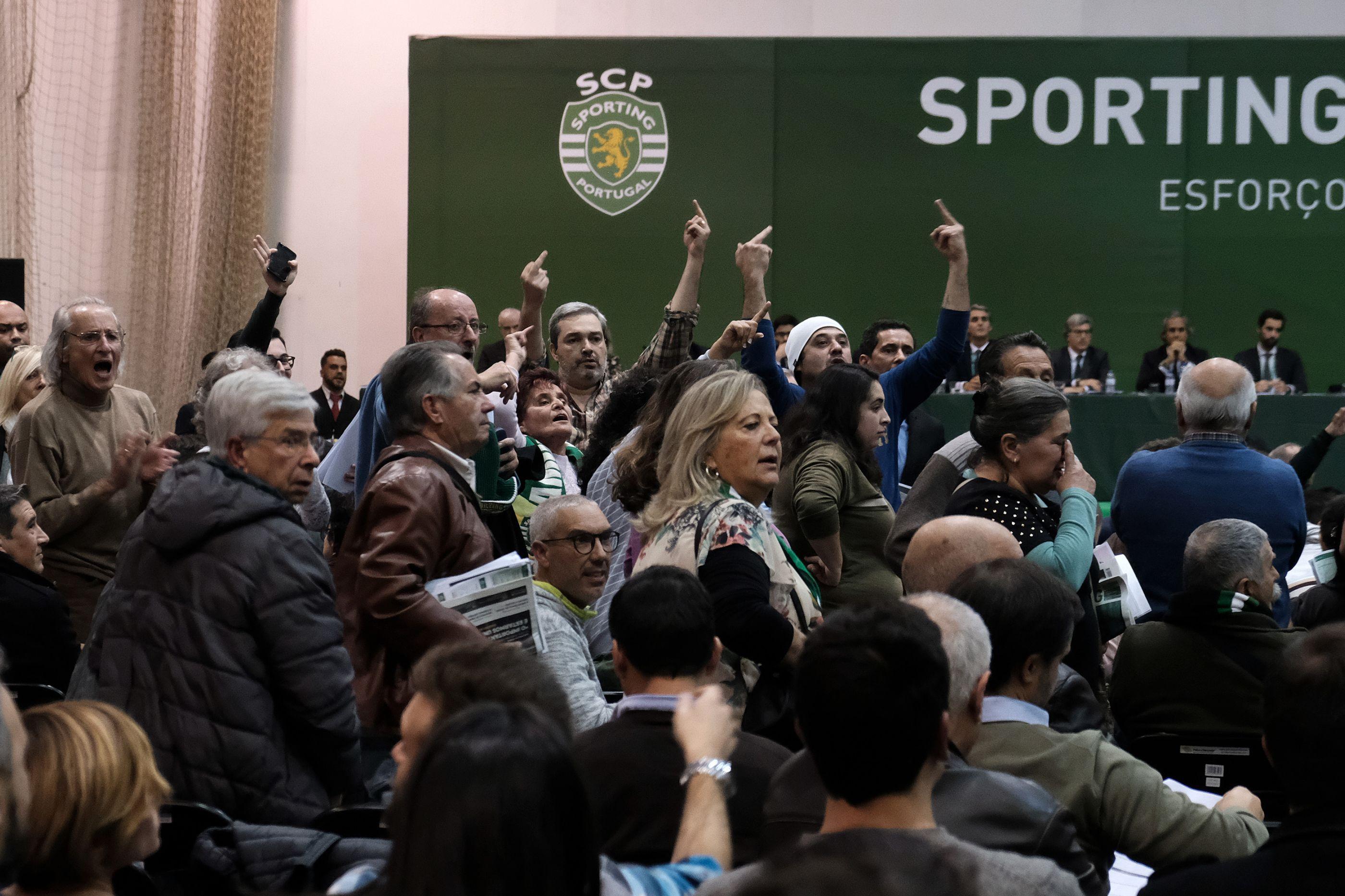 """Em AG conturbada, Frederico Varandas garantiu: """"Não tenho medo"""""""