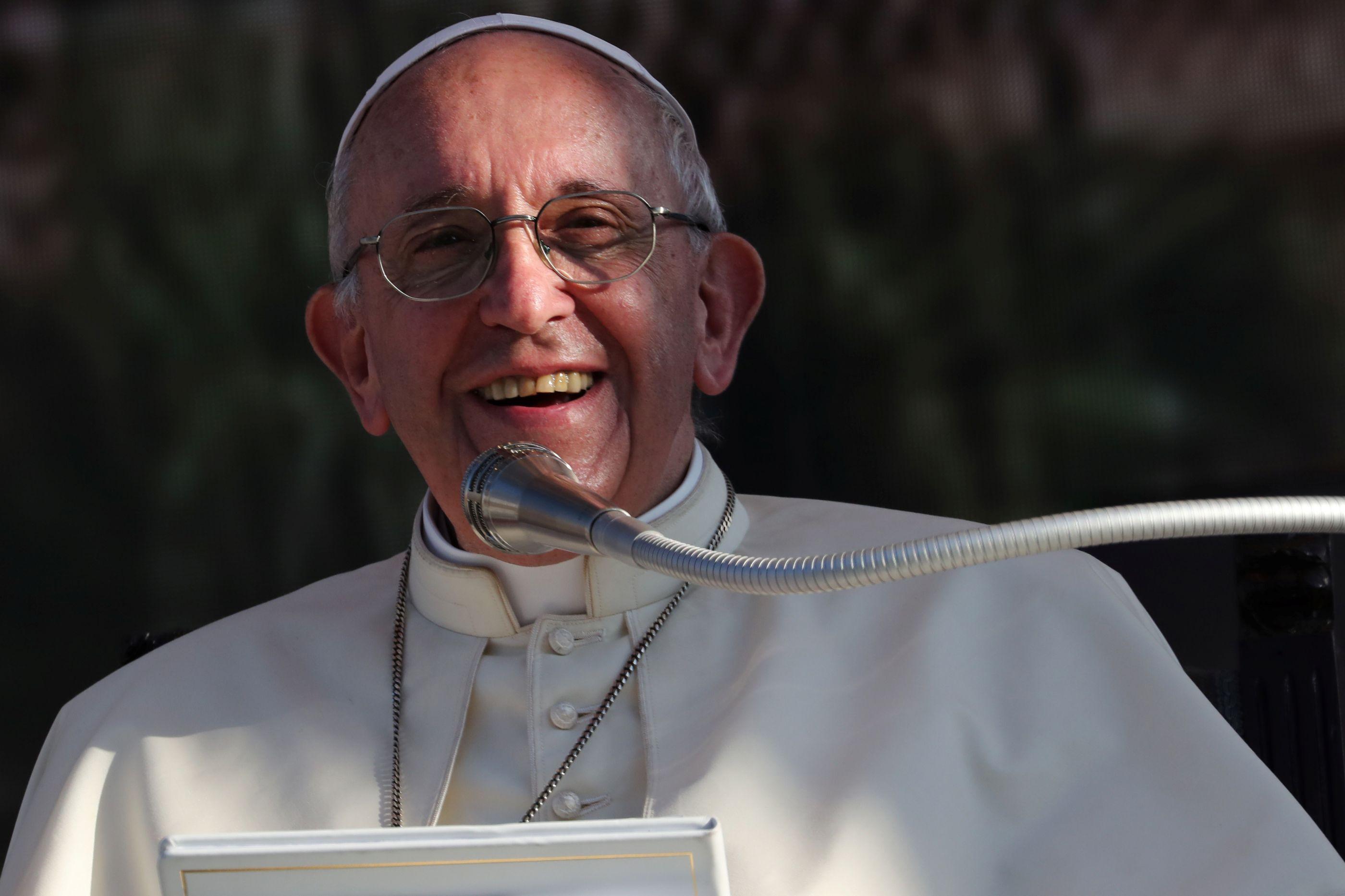 A história da freira desobediente que salvou a vida do Papa quando jovem