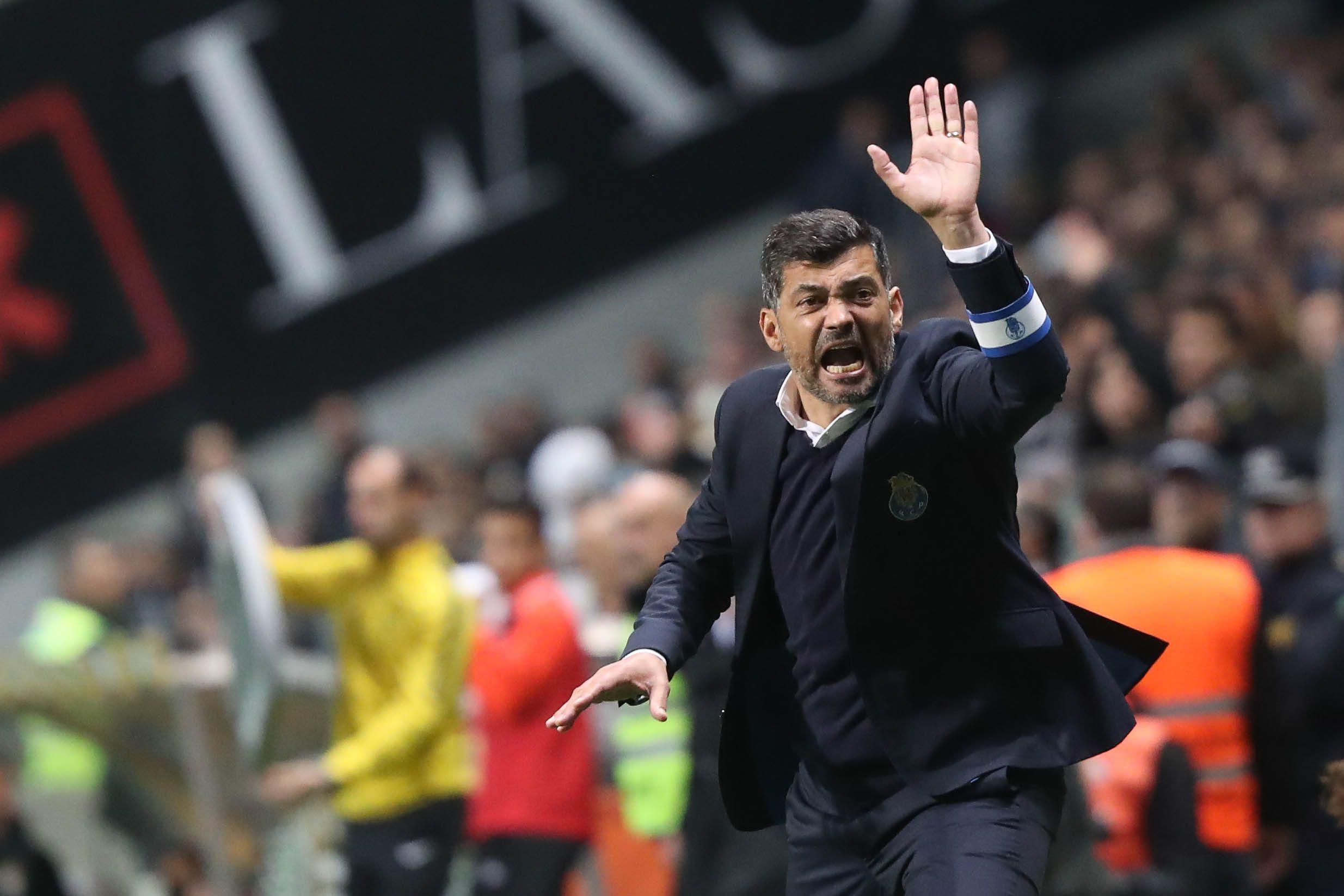 FC Porto de olho no topo (e na história) contra um Rio Ave 'órfão'