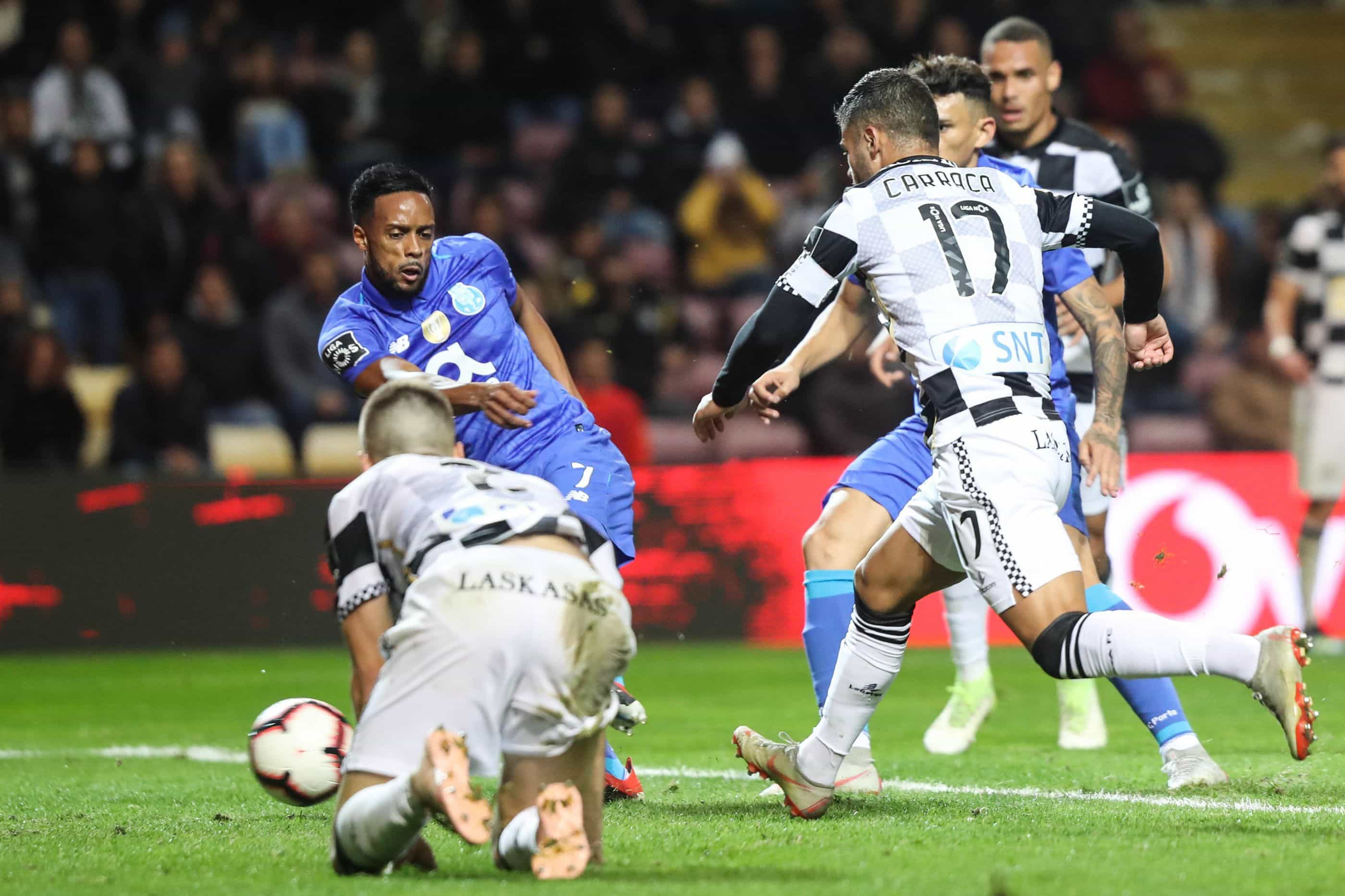"""FC Porto arrasa tudo e todos: Do árbitro ao """"arraial de porrada"""""""