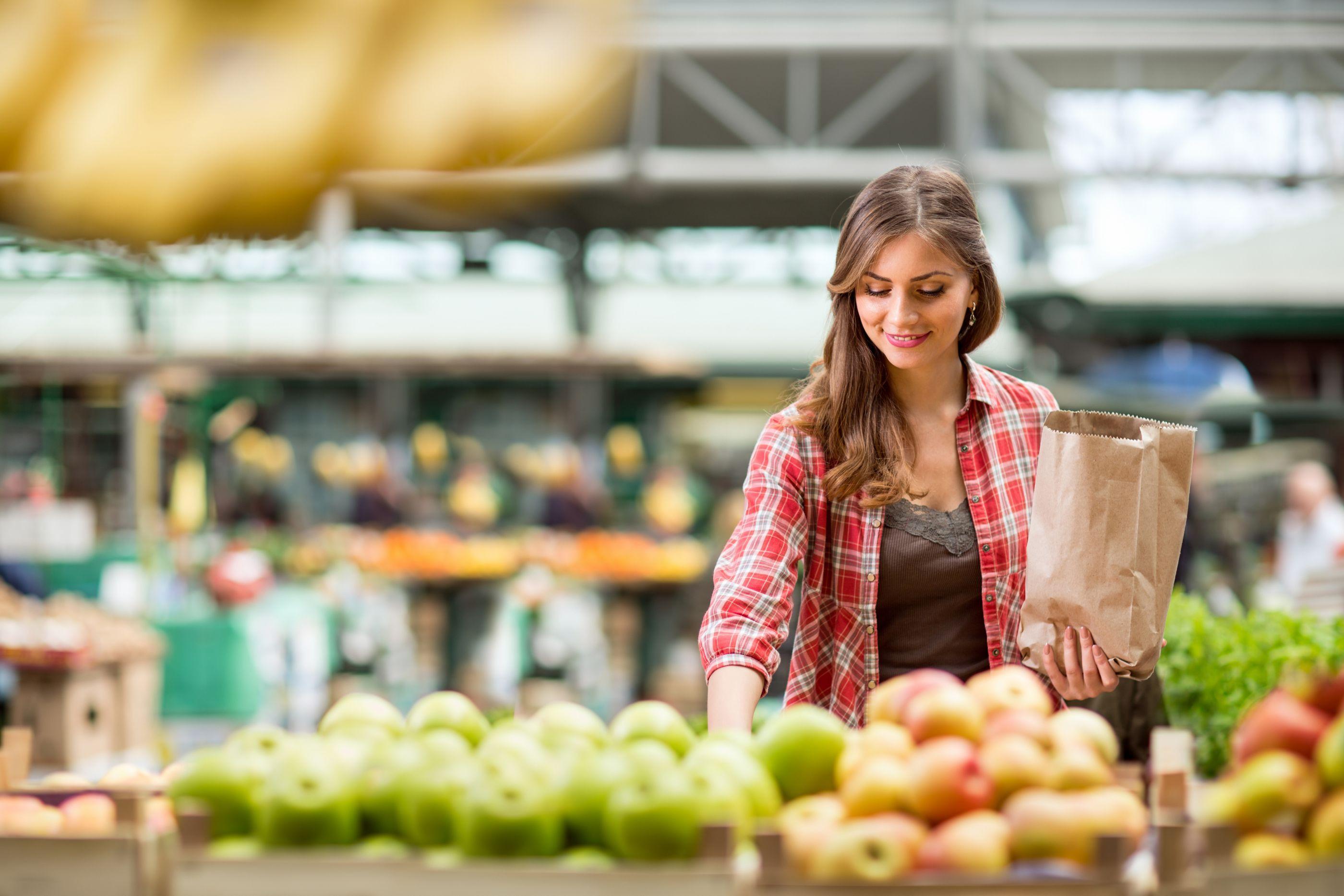 Comer este fruto reduz o risco de hipertensão. Diga sim