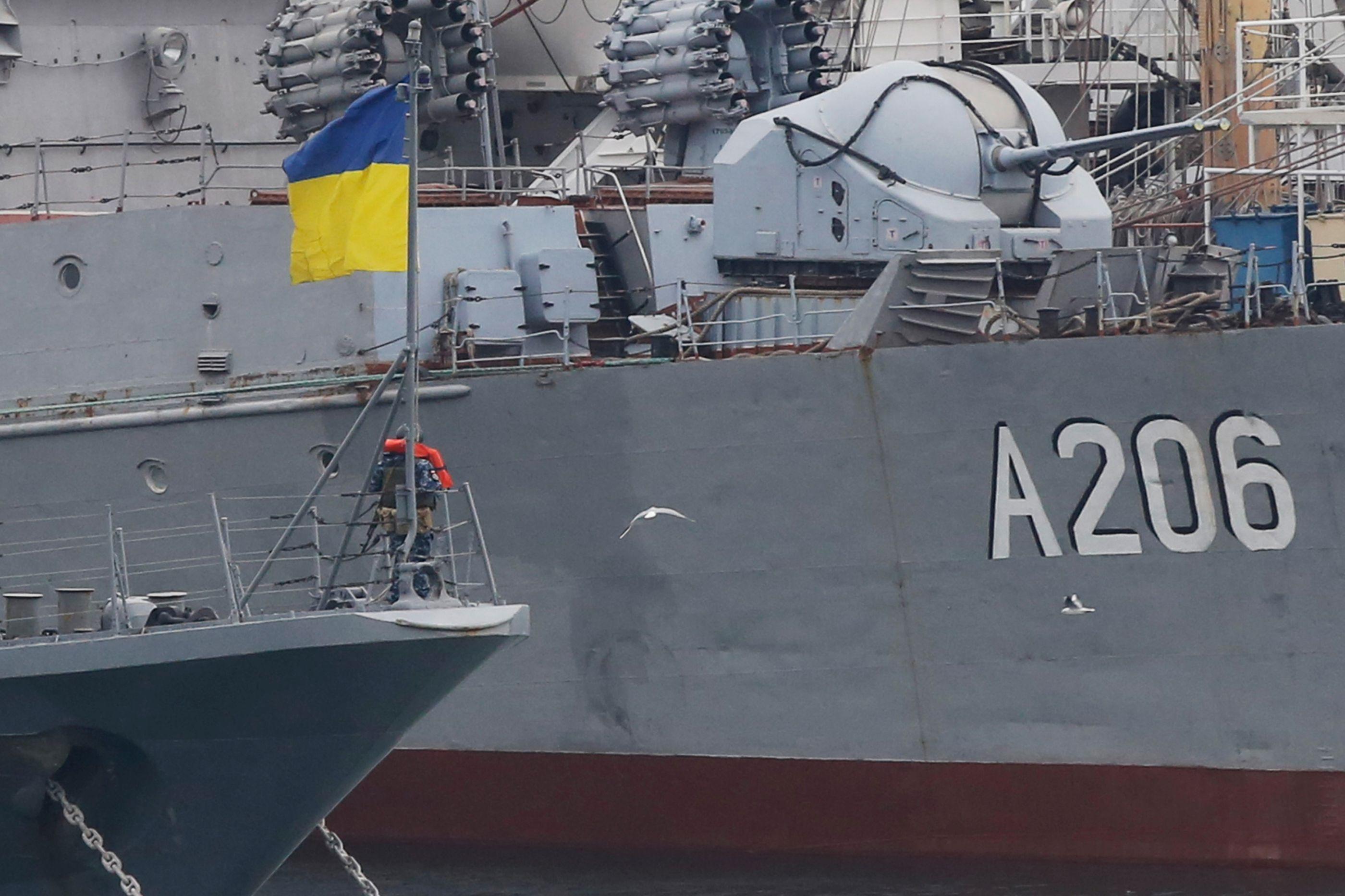 Ucrânia anuncia para breve envio de navios para o estreito de Kerch
