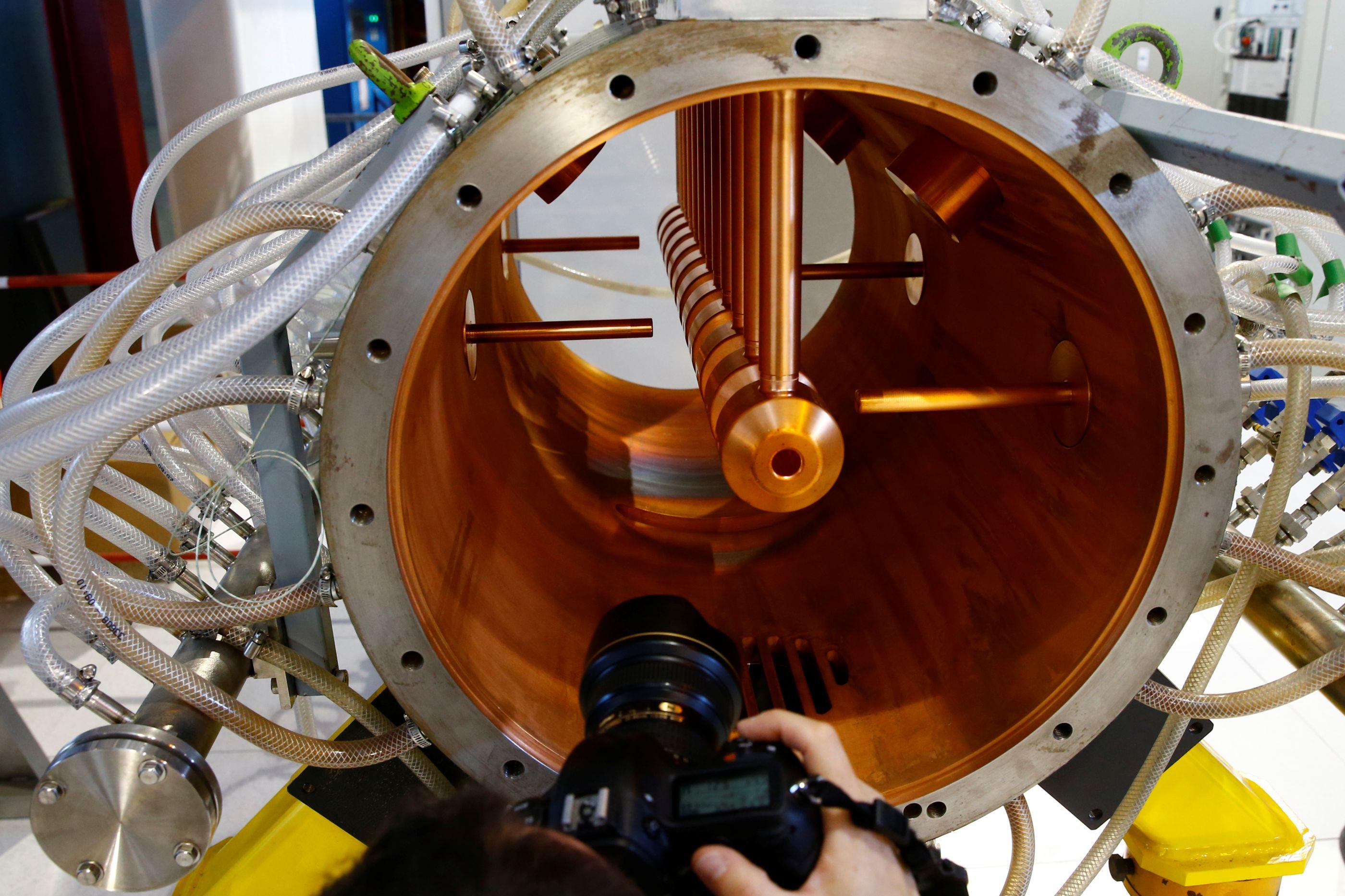 Maior acelerador de partículas do mundo em paragem técnica até 2021