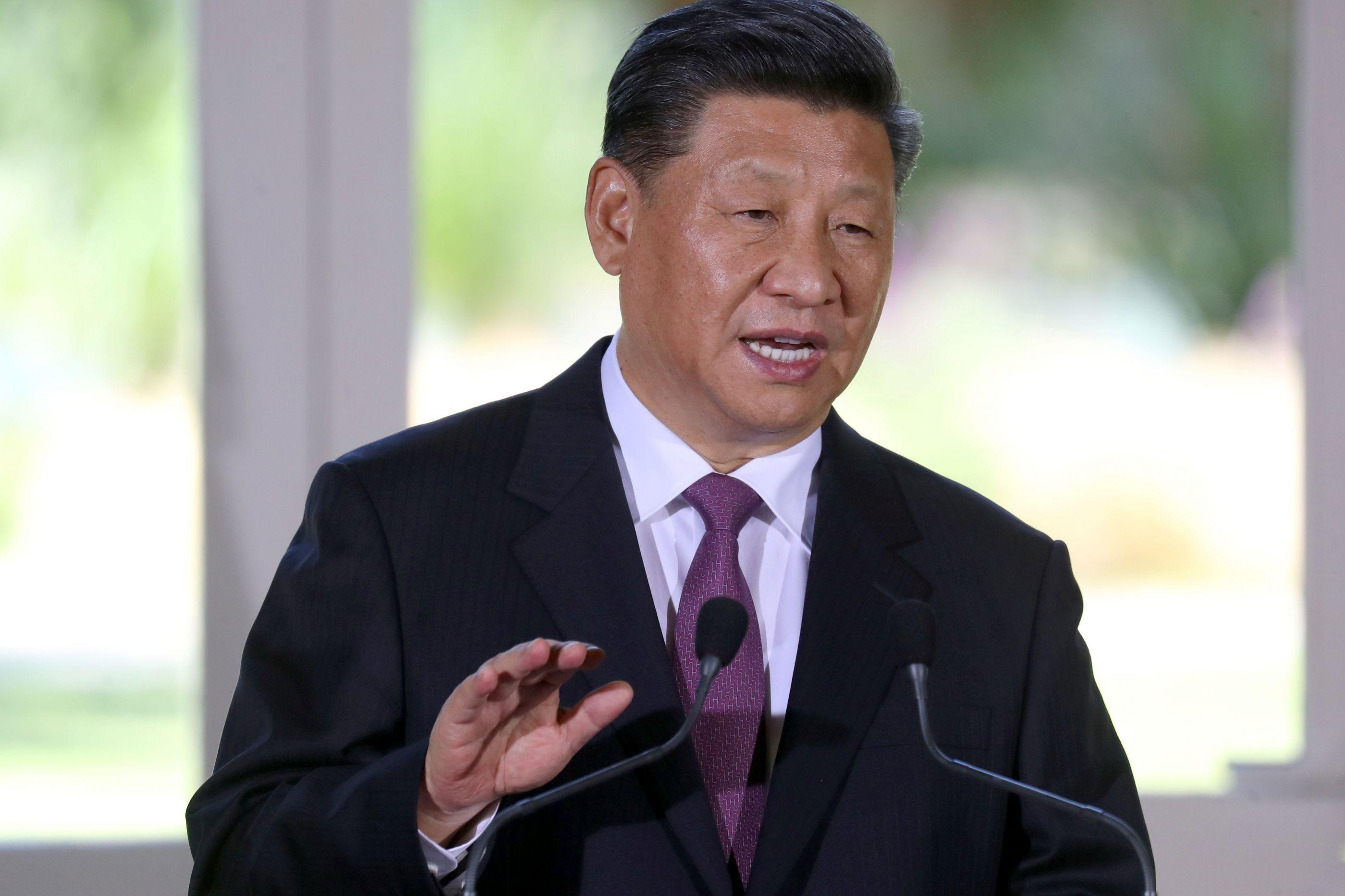 Xi Jinping inicia visita a Lisboa com agenda económica e política