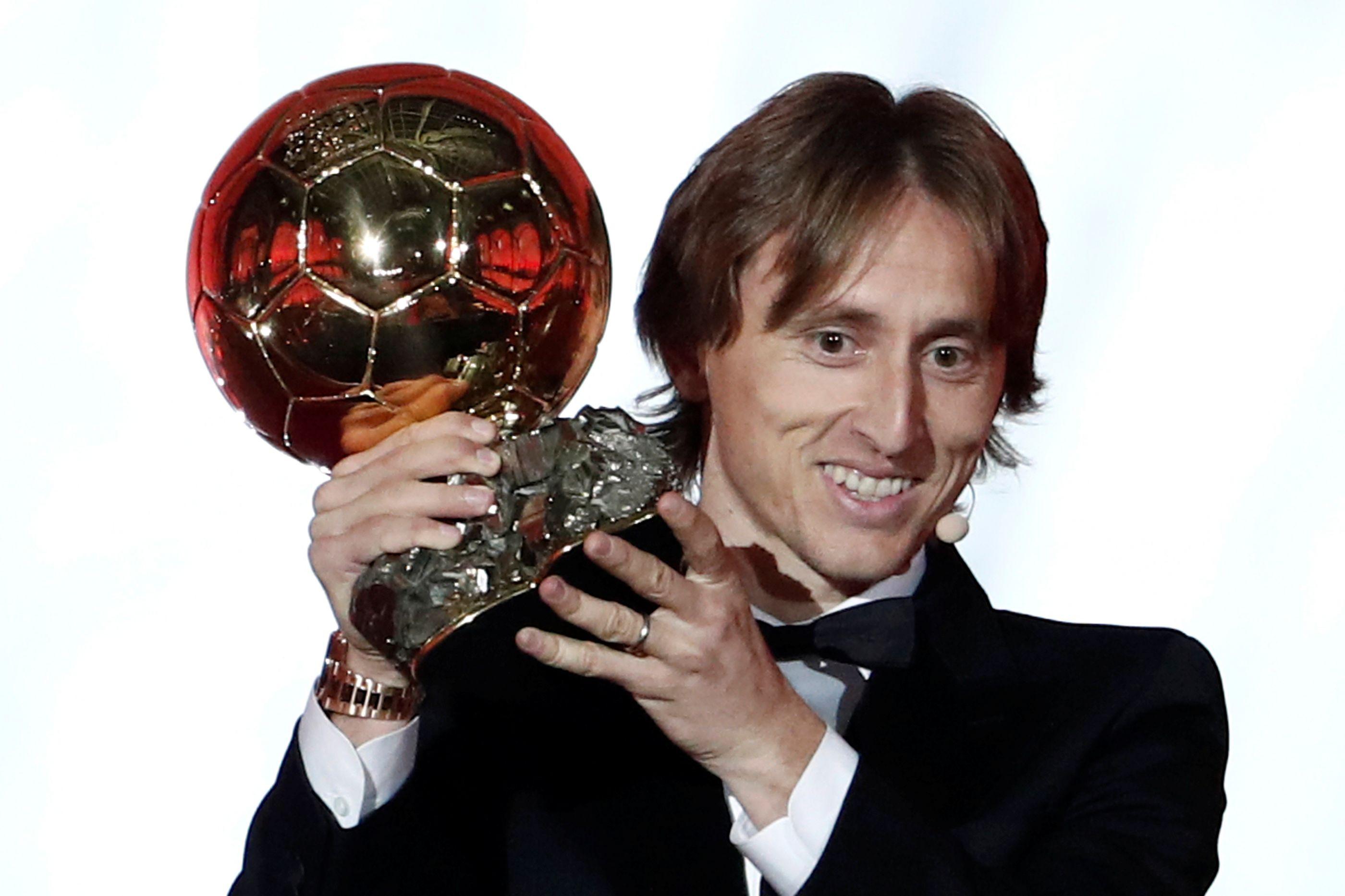 """Modric, o Bola de Ouro: """"Ninguém se pode comparar a CR7 e Messi"""""""