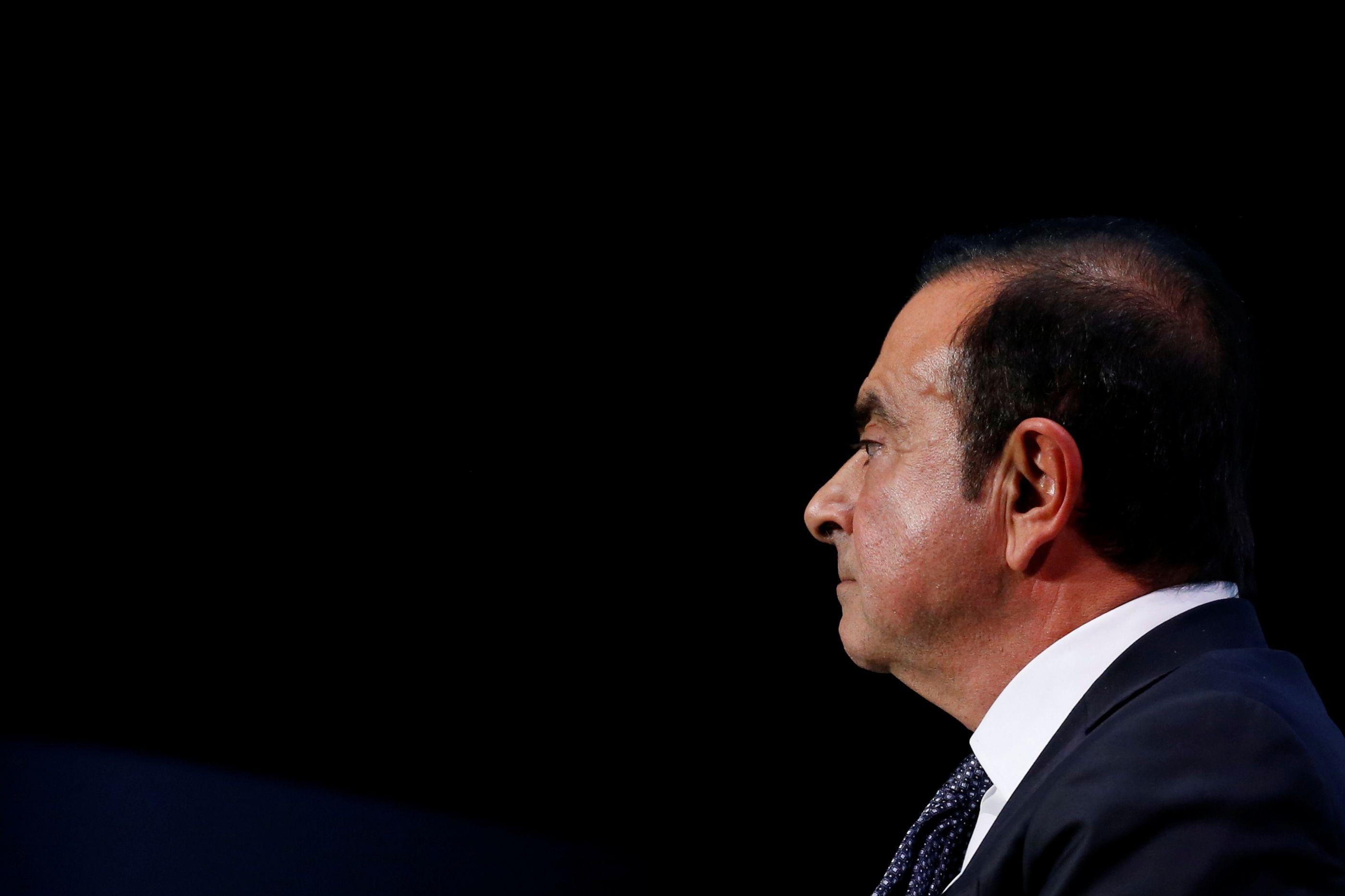 Ex-presidente da Nissan libertado sob fiança aguarda julgamento em Tóquio