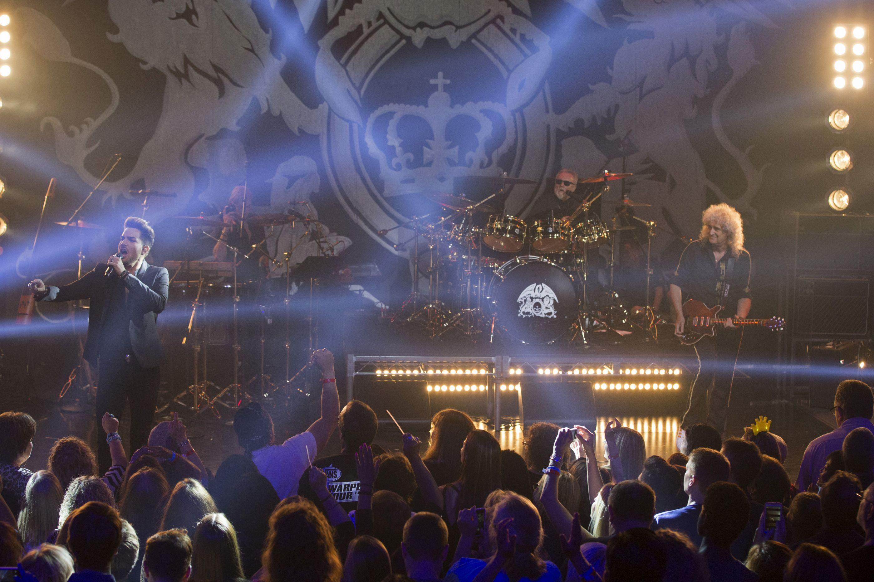 Depois do cinema, a digressão. Queen estão de volta aos palcos