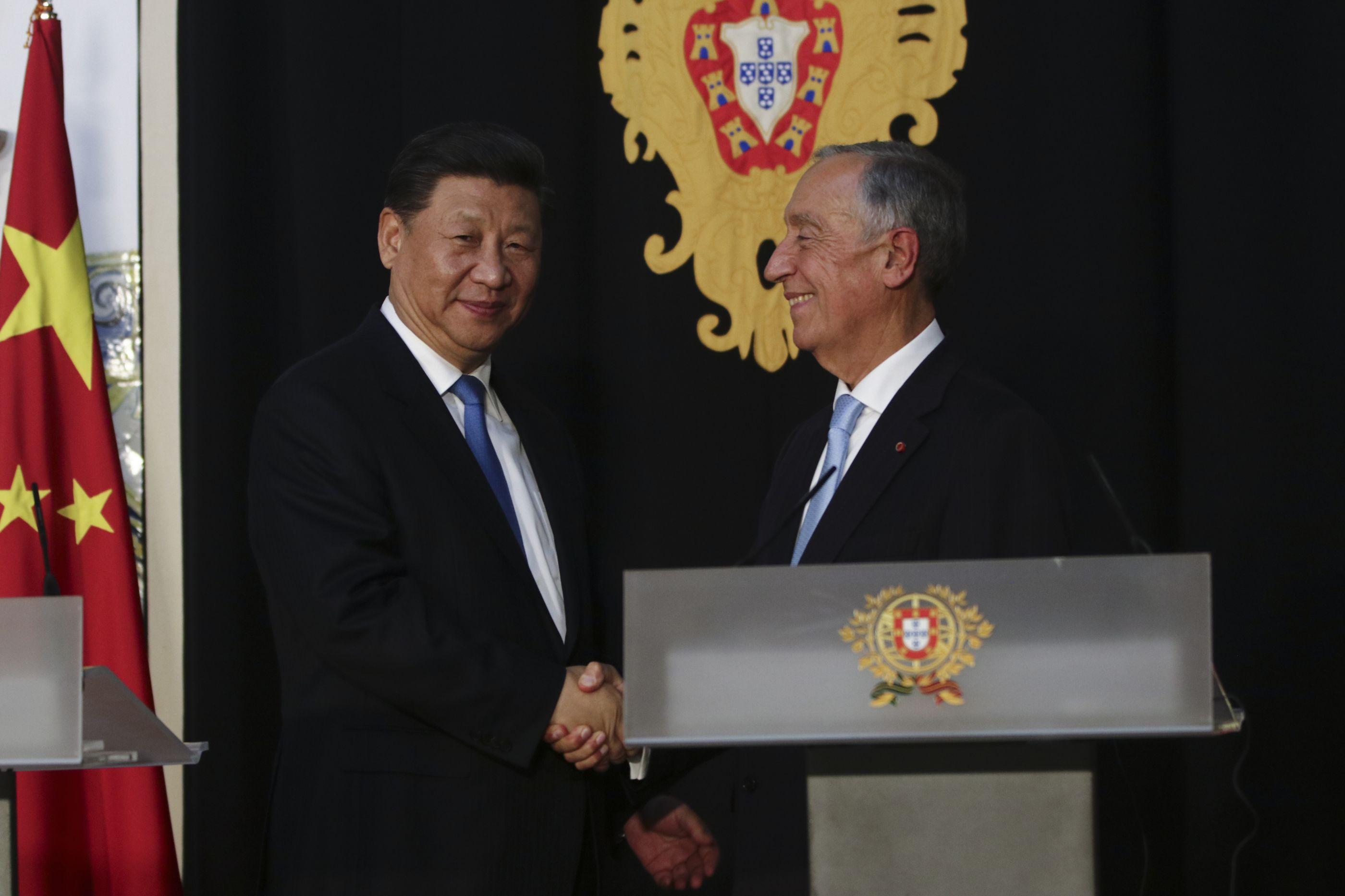 Presidente chinês recebido pelo Parlamento, mas sem Bloco ou PAN