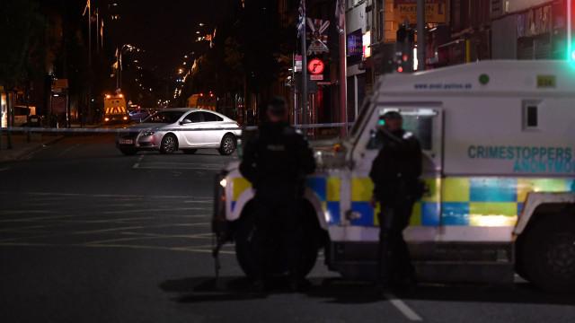 Pelo menos um morto em tiroteio na Irlanda do Norte