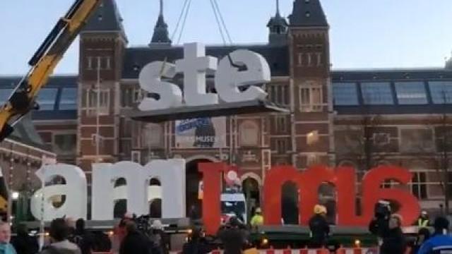 Amesterdão despediu-se de um dos seus mais icónicos símbolos