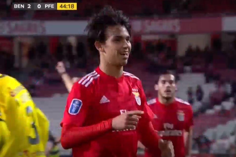 João Félix fuzilou e aumentou vantagem do Benfica sobre o Paços
