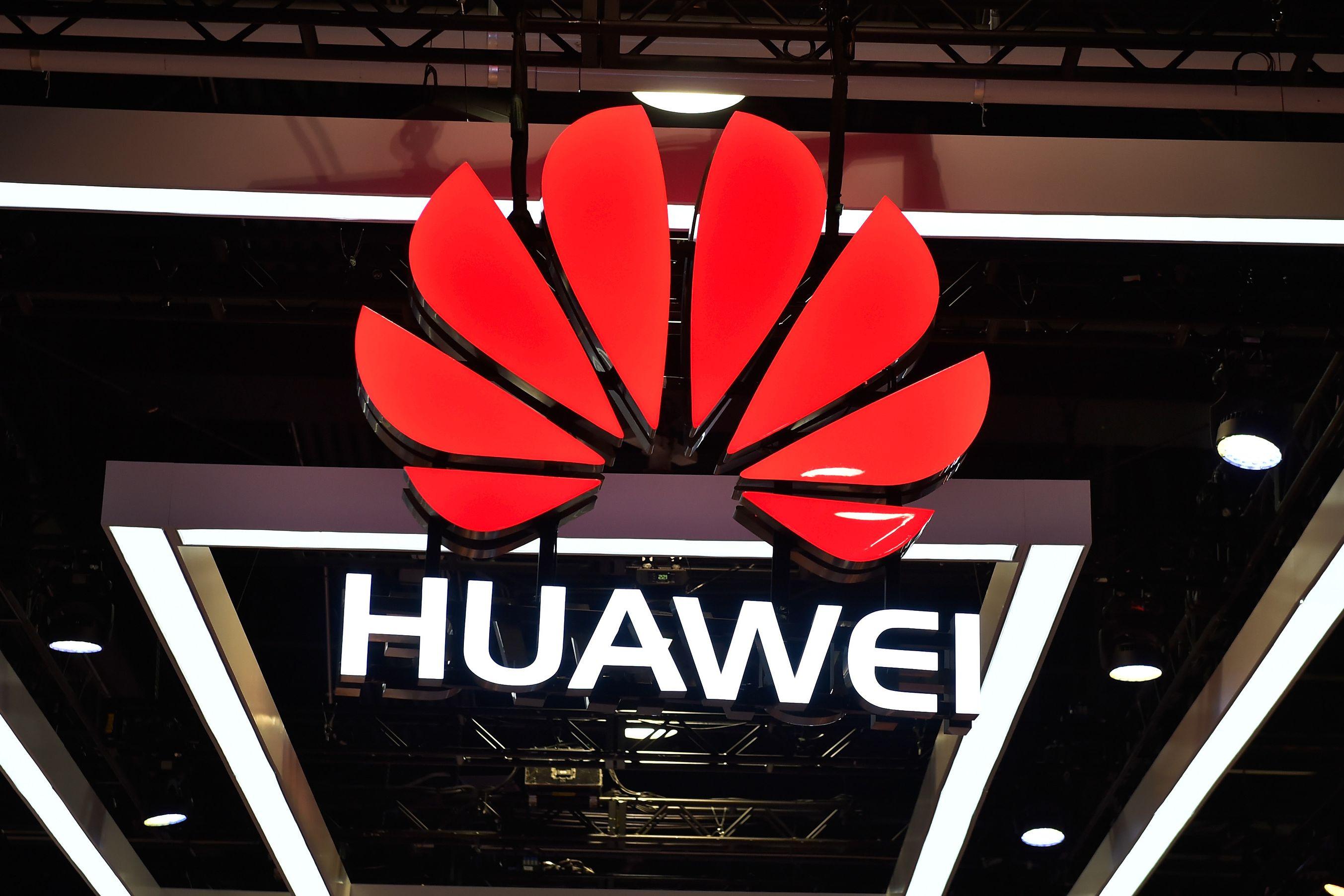 Huawei lança novo 'ataque' à Samsung em dia de Galaxy S10