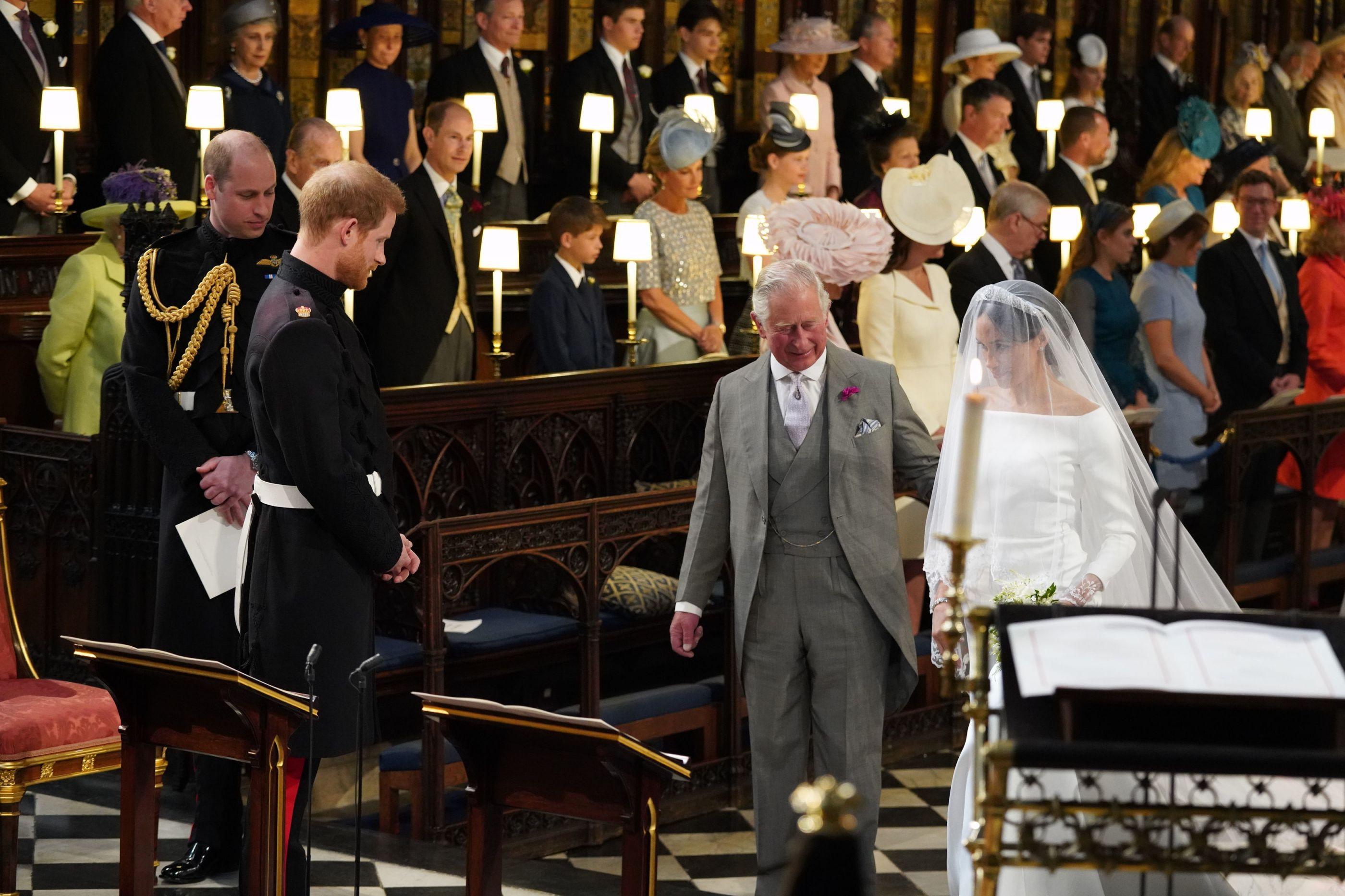Príncipe Carlos guarda recordação especial do casamento de Harry e Meghan