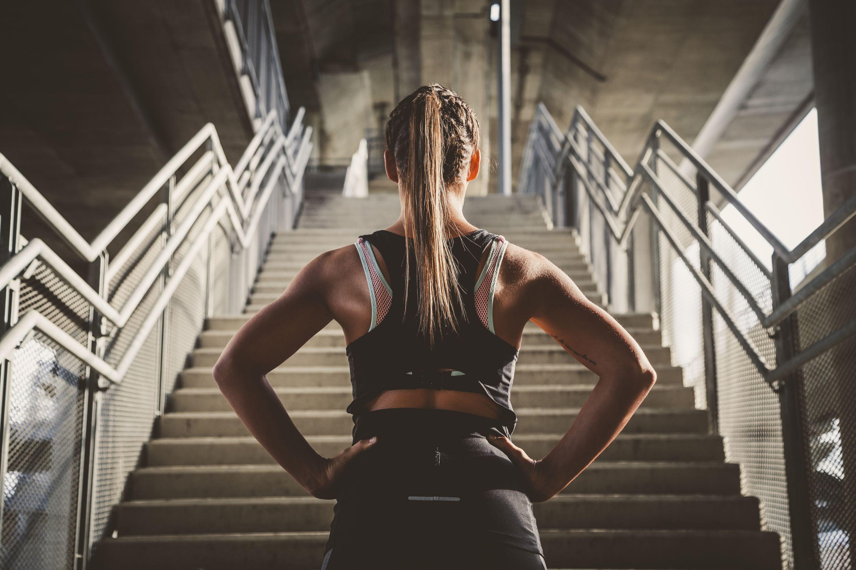 Teste que envolve subir escadas prediz se vai morrer de ataque cardíaco